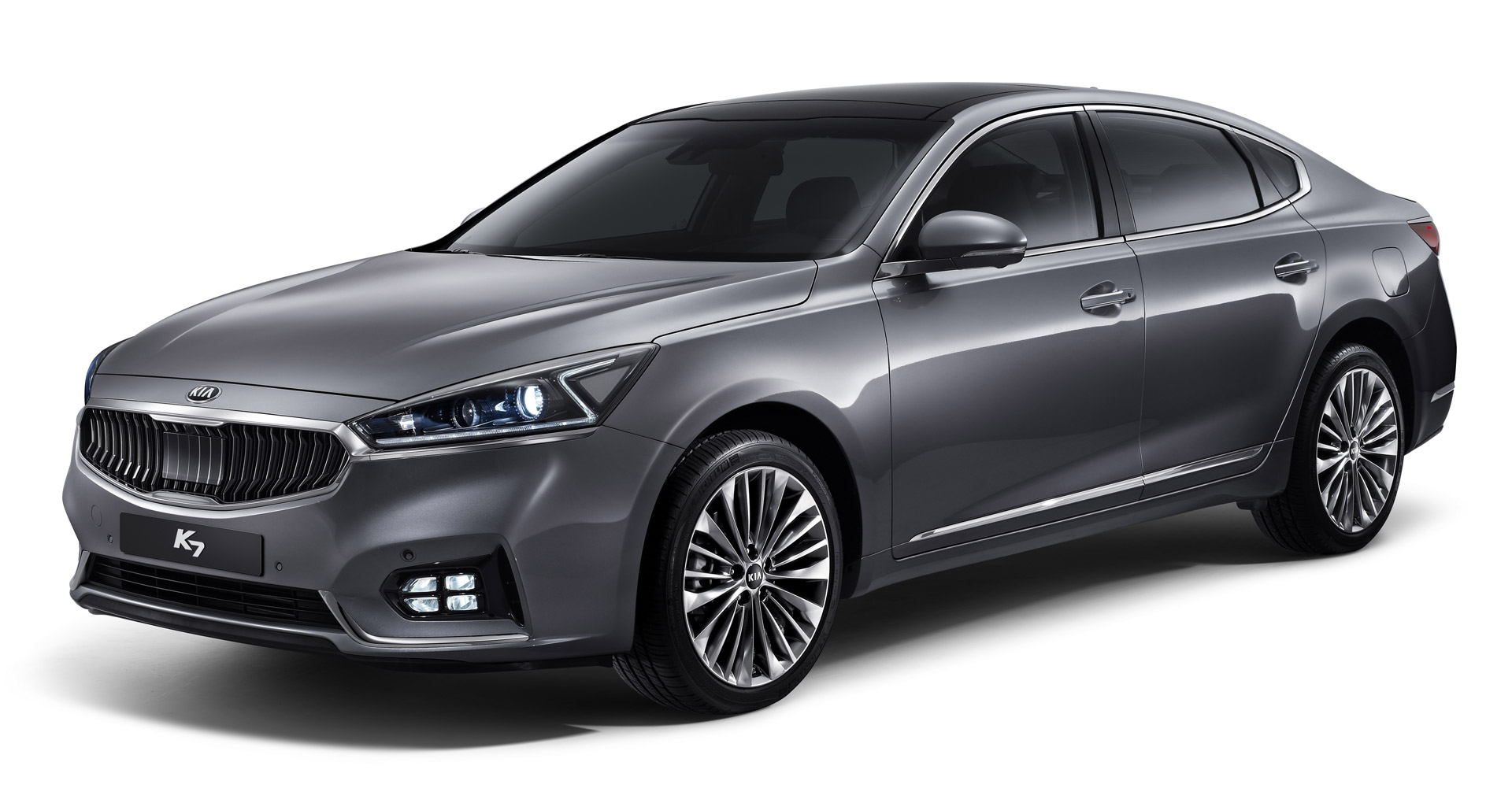 2017 Kia Cadenza Gets Sporty New Look