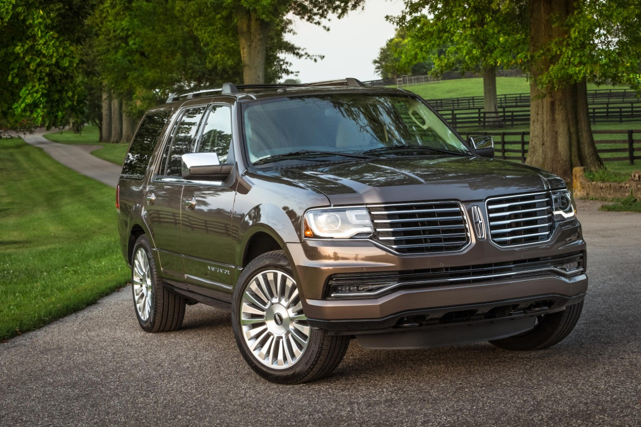 2017 Lincoln Navigator Styling Review The Car Connection