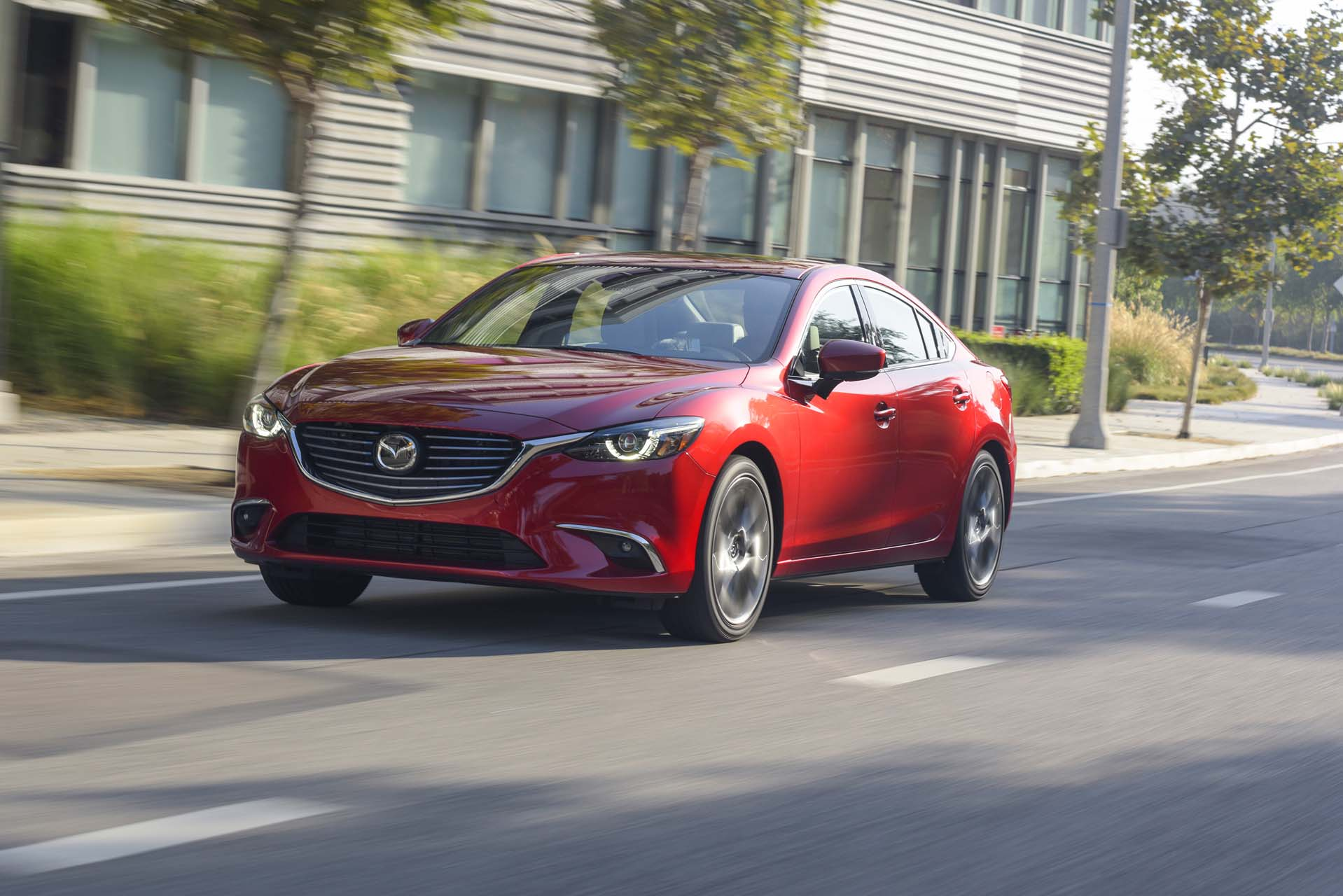 2017 mazda mazda6 safety review and crash test ratings the car connection. Black Bedroom Furniture Sets. Home Design Ideas