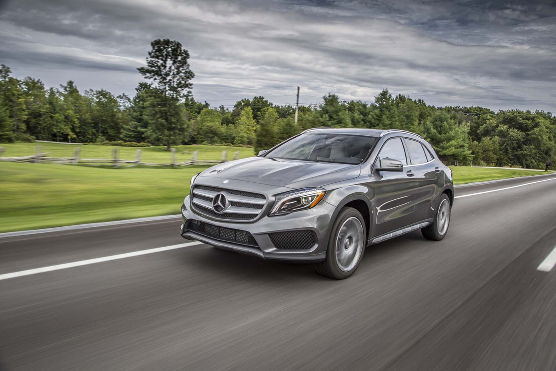 2017 mercedes benz gla class review ratings specs for Mercedes benz gla class price
