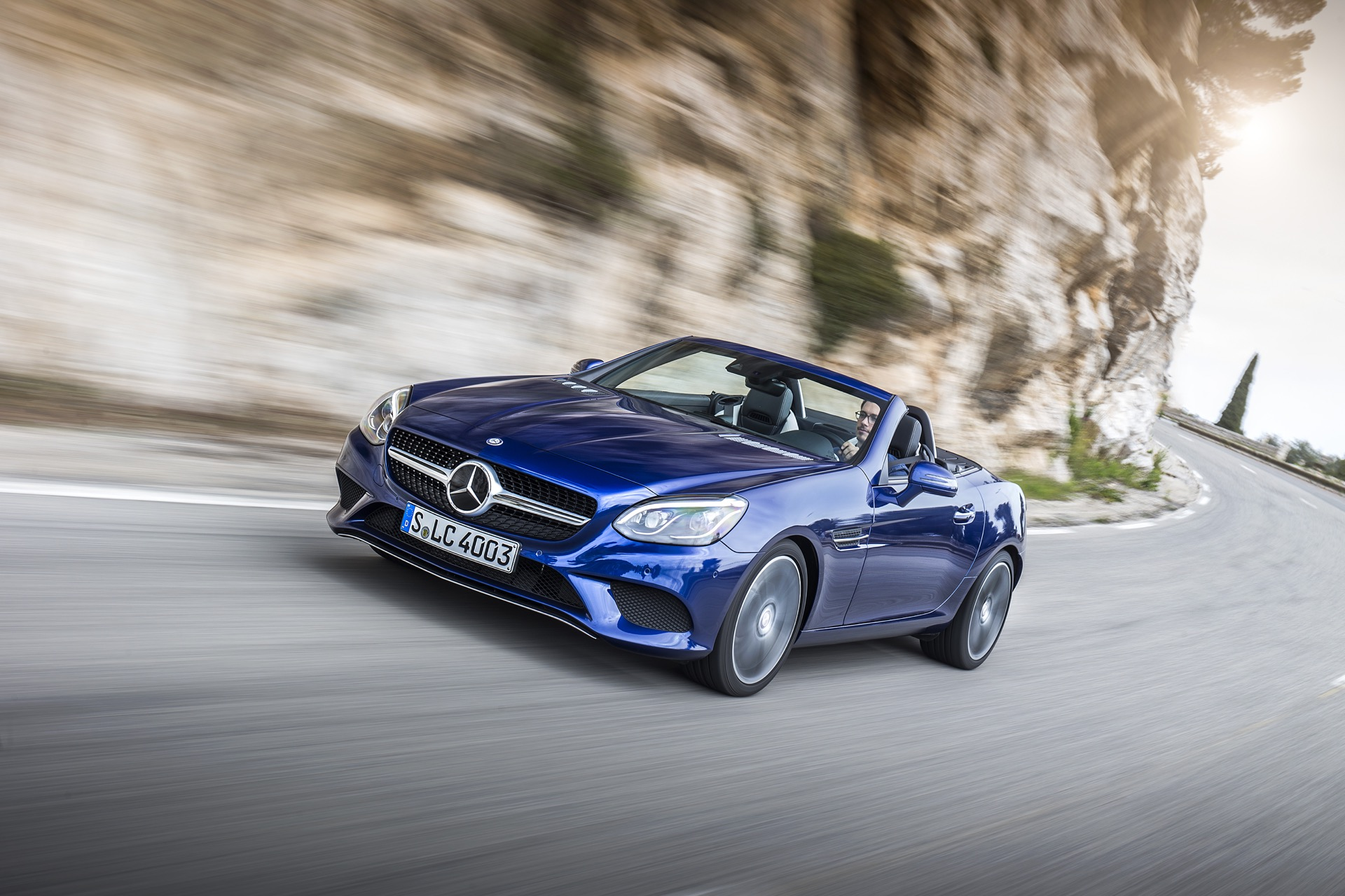 2017 Mercedes Benz Slc Class Features Review The Car Connection