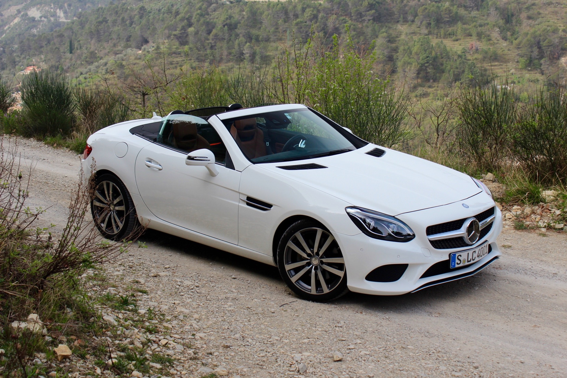 Report mercedes to axe slc for Slc mercedes benz