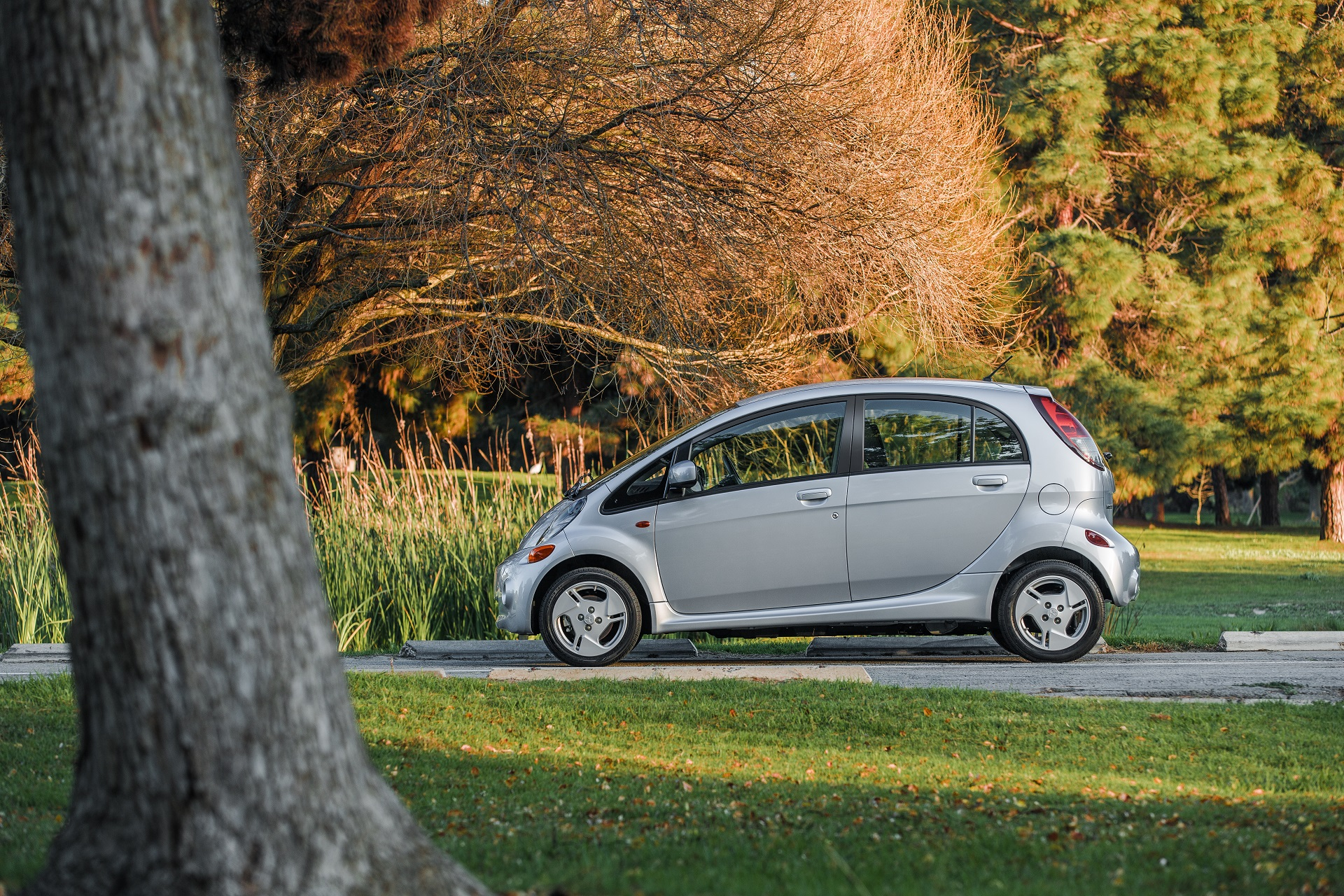 2017 mitsubishi i miev review ratings specs prices and photos the car connection. Black Bedroom Furniture Sets. Home Design Ideas