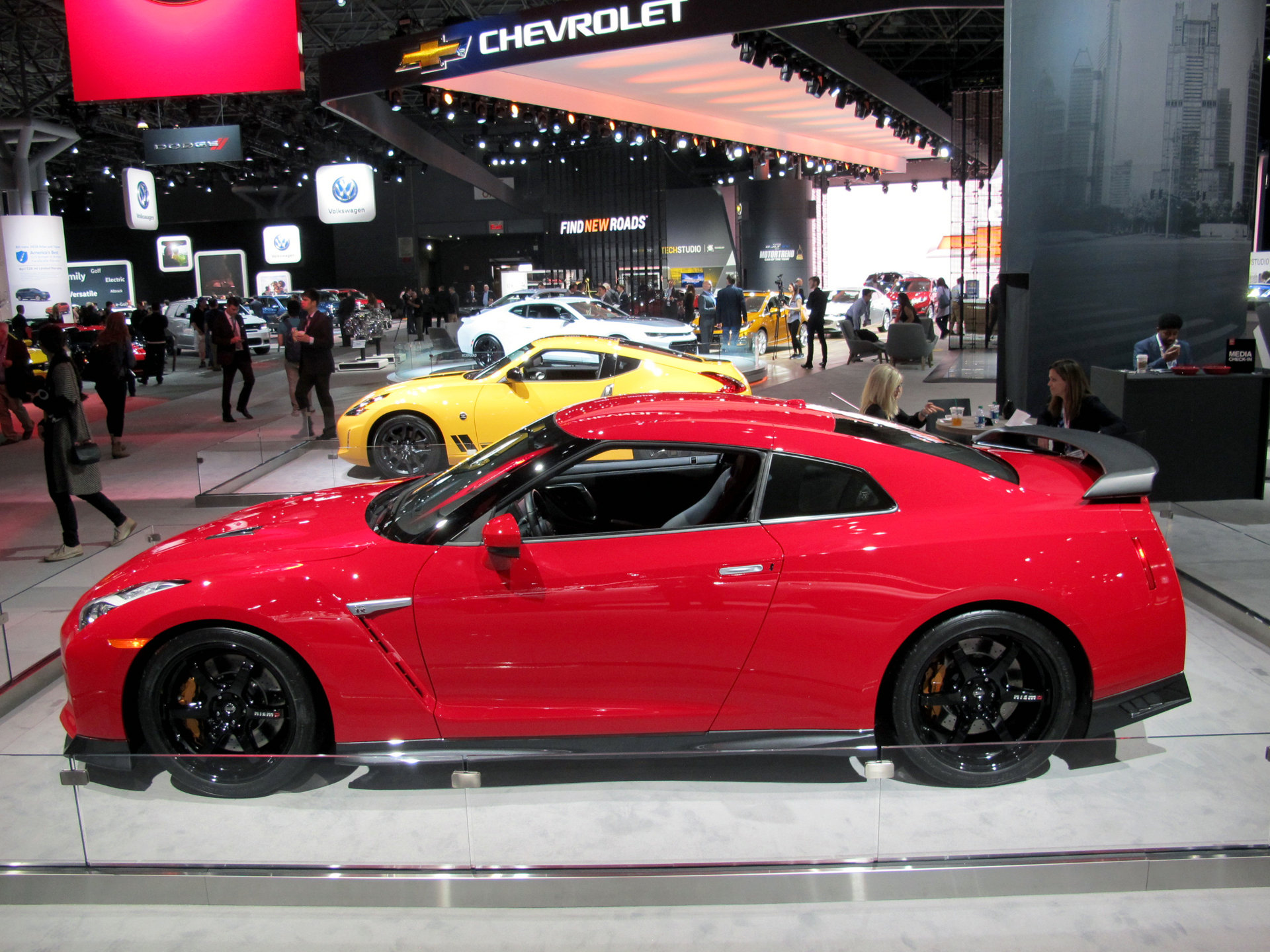 nissan gt r track edition headed for the big apple. Black Bedroom Furniture Sets. Home Design Ideas