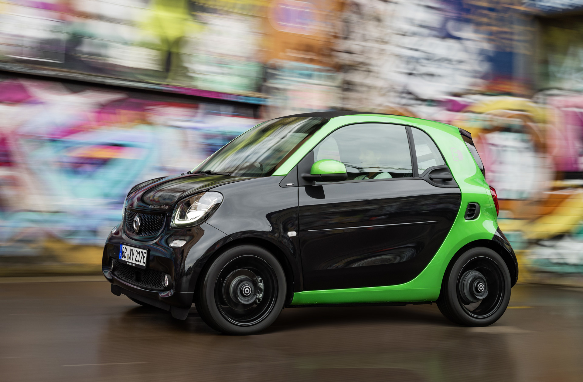 2017 smart fortwo electric drive priced from 24 550. Black Bedroom Furniture Sets. Home Design Ideas