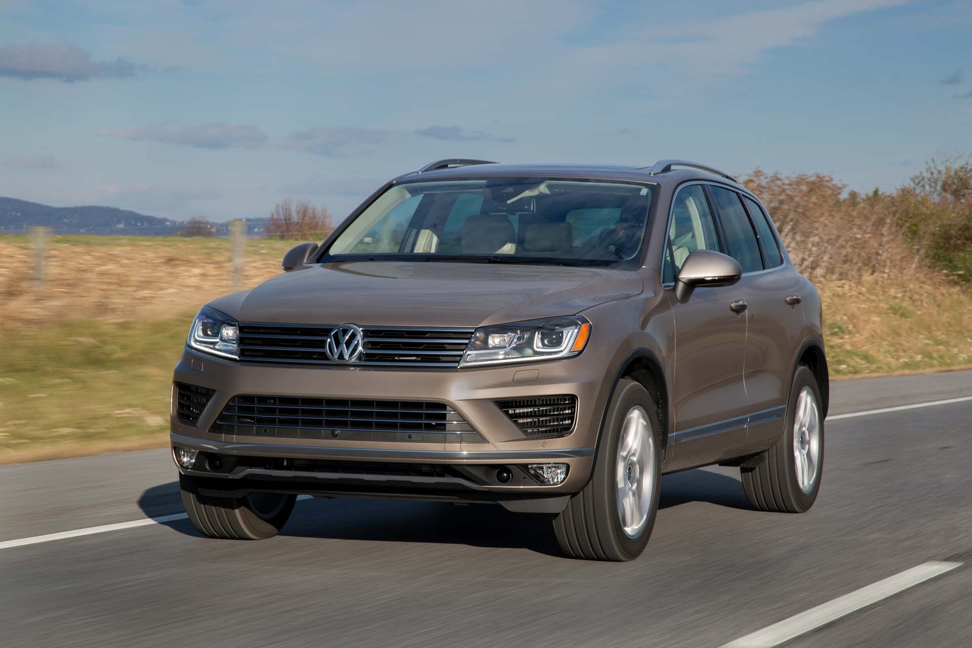2017 volkswagen touareg vw gas mileage the car connection. Black Bedroom Furniture Sets. Home Design Ideas