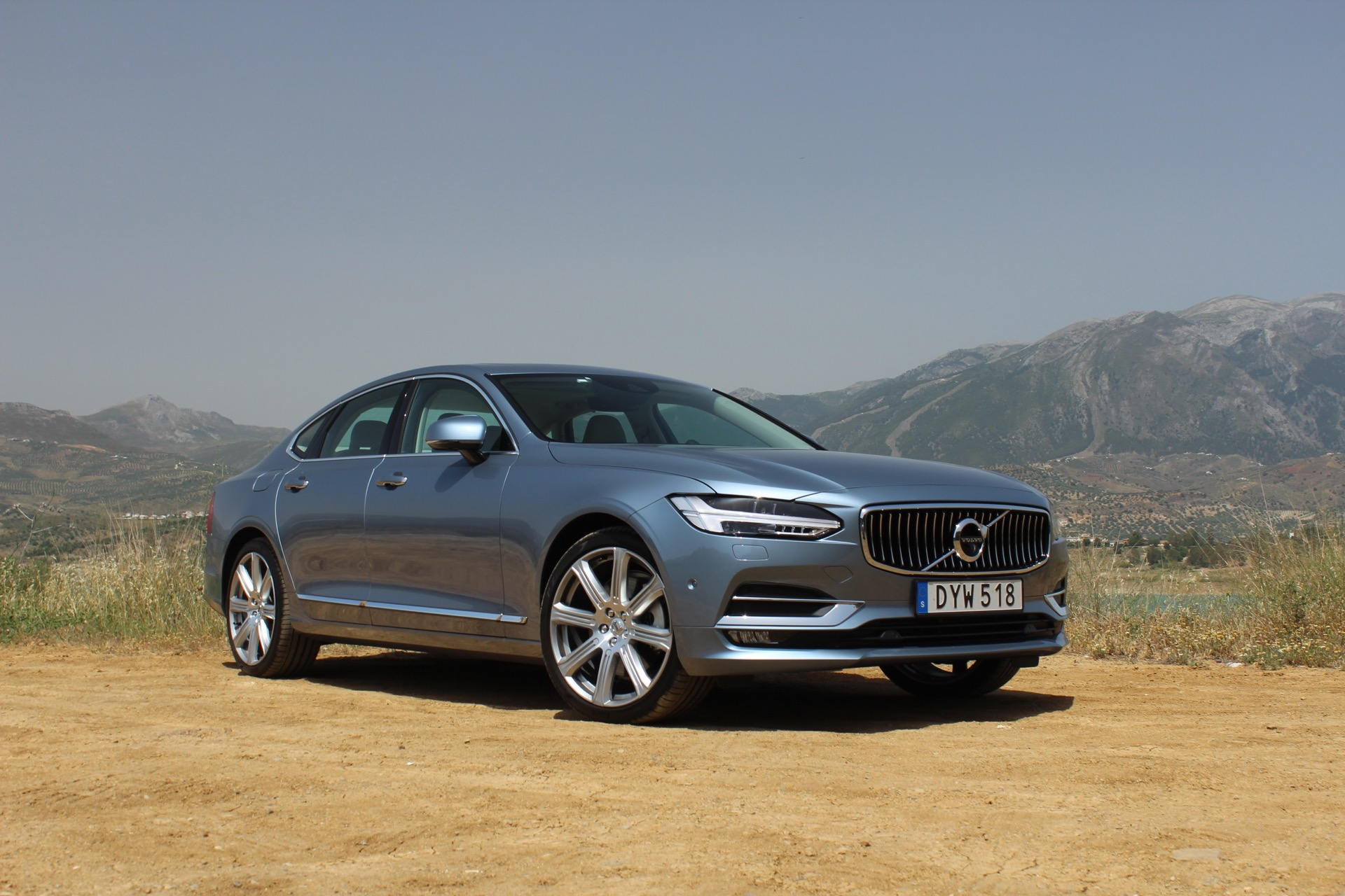 2017 volvo s90 first drive review. Black Bedroom Furniture Sets. Home Design Ideas
