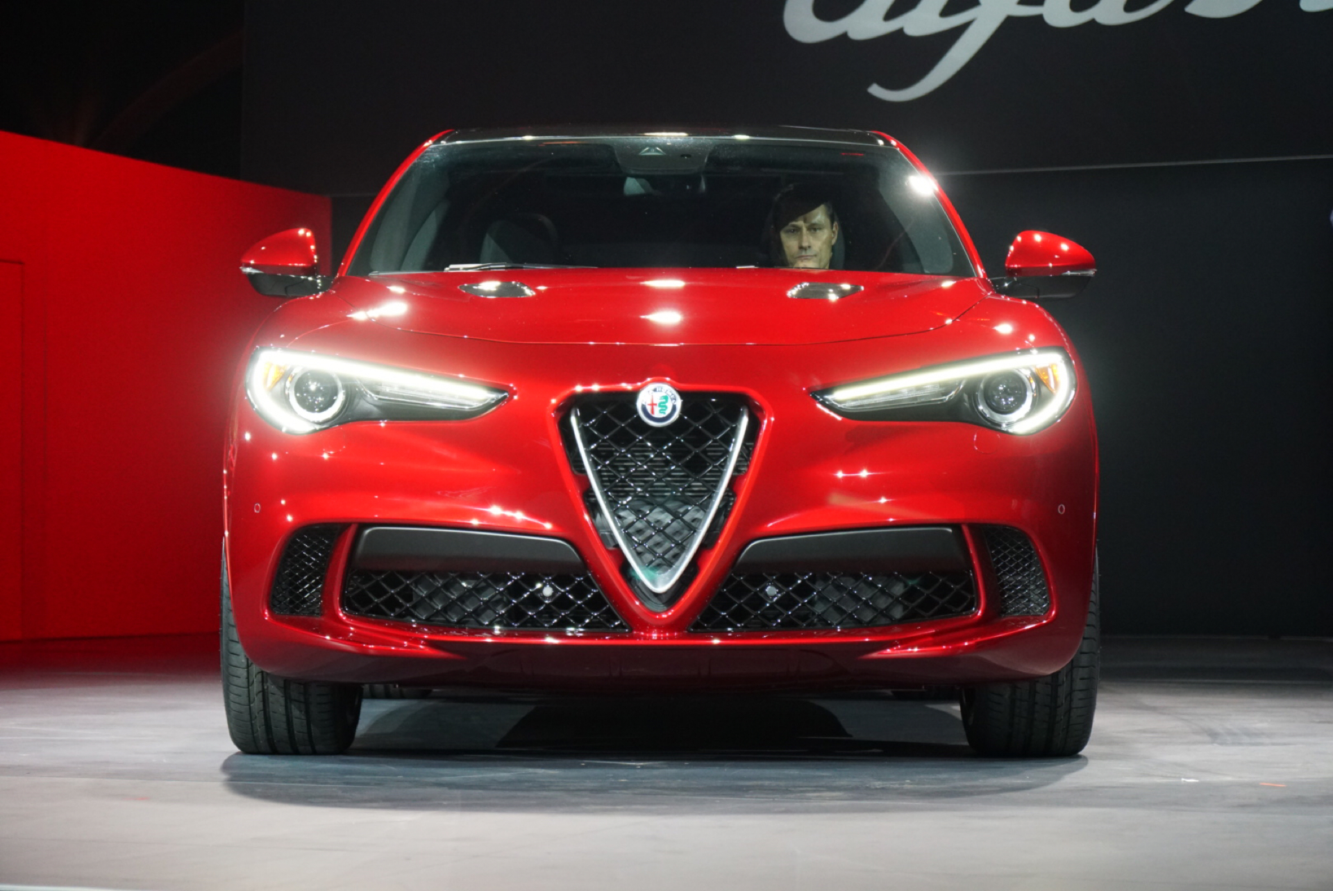2018 alfa romeo stelvio mid engine porsche 911 modern mclaren f1 car news headlines. Black Bedroom Furniture Sets. Home Design Ideas