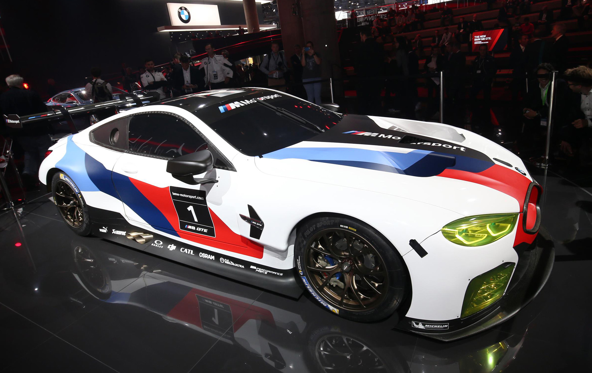 bmw m8 gte racecar debuts in frankfurt ready to battle at. Black Bedroom Furniture Sets. Home Design Ideas