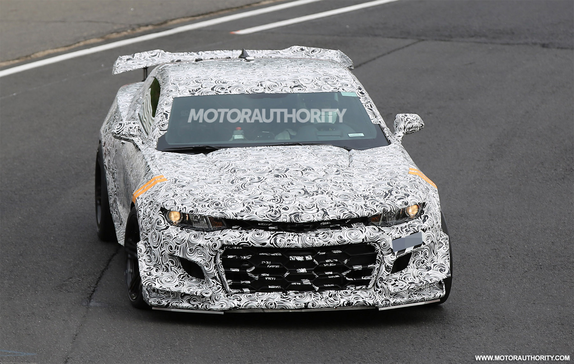 2018 Chevrolet Camaro Z/28 spy shots