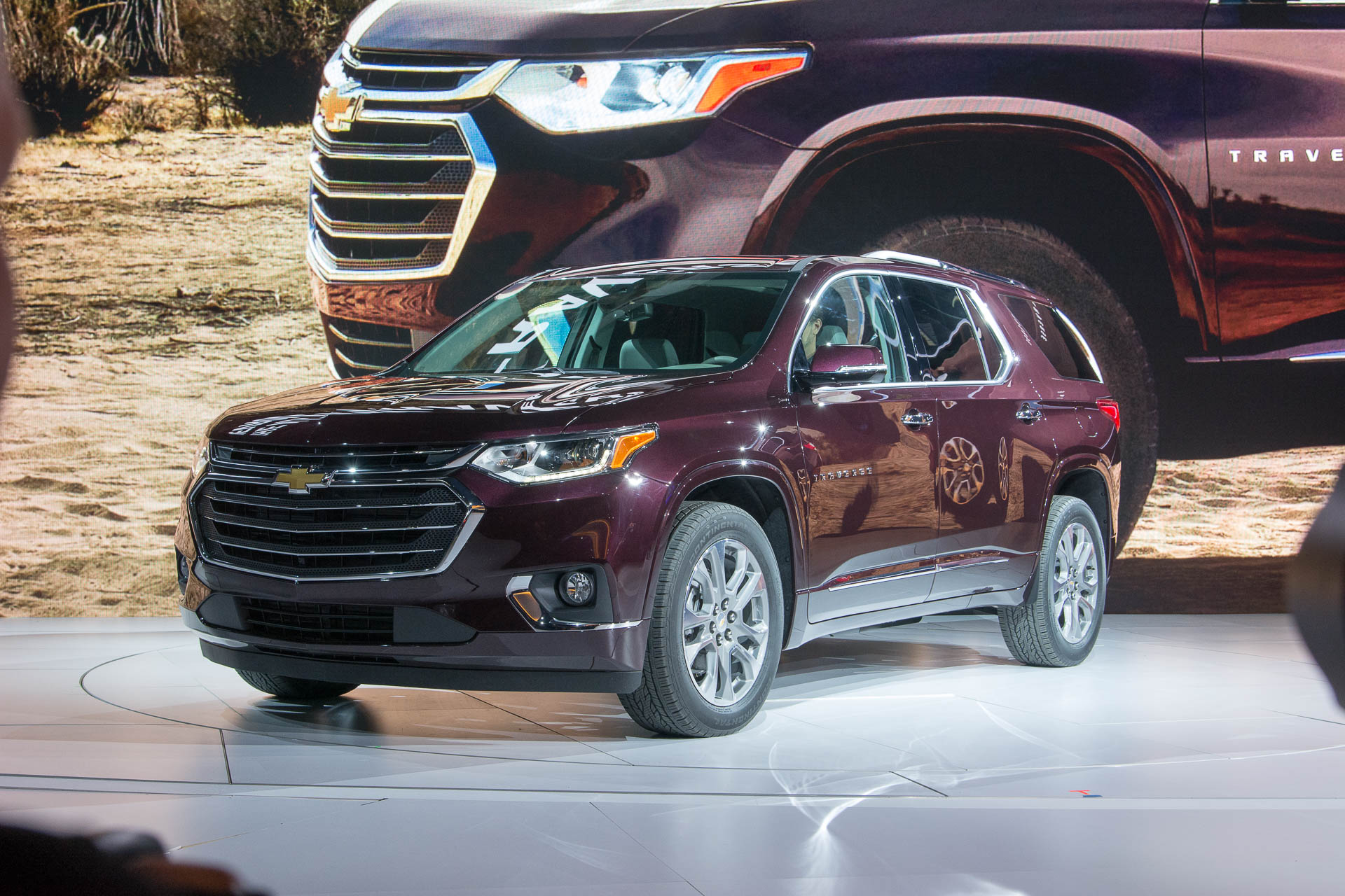 2018 chevrolet traverse debuts at 2017 detroit auto show. Black Bedroom Furniture Sets. Home Design Ideas