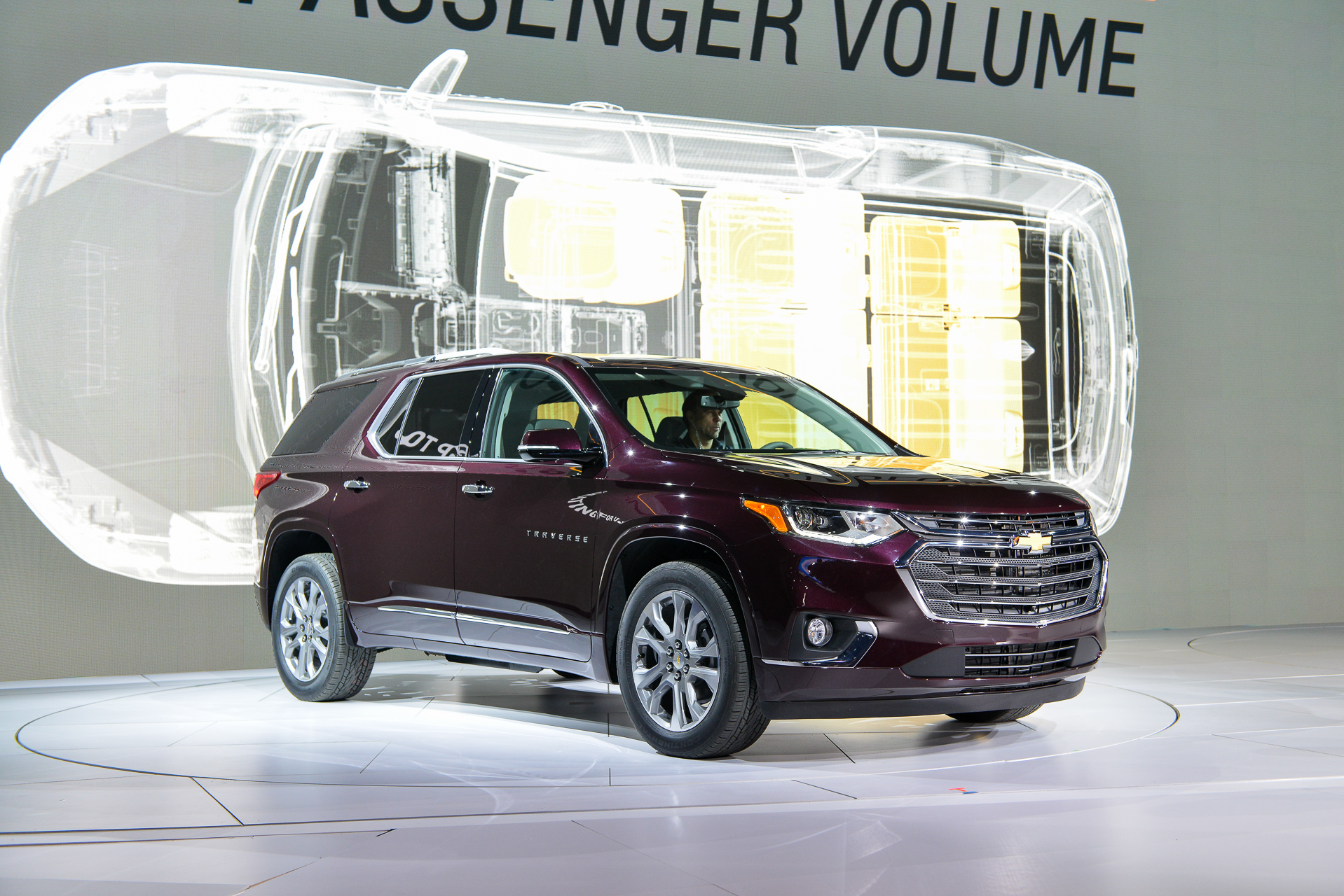 2018 Chevrolet Traverse Chevy Review Ratings Specs