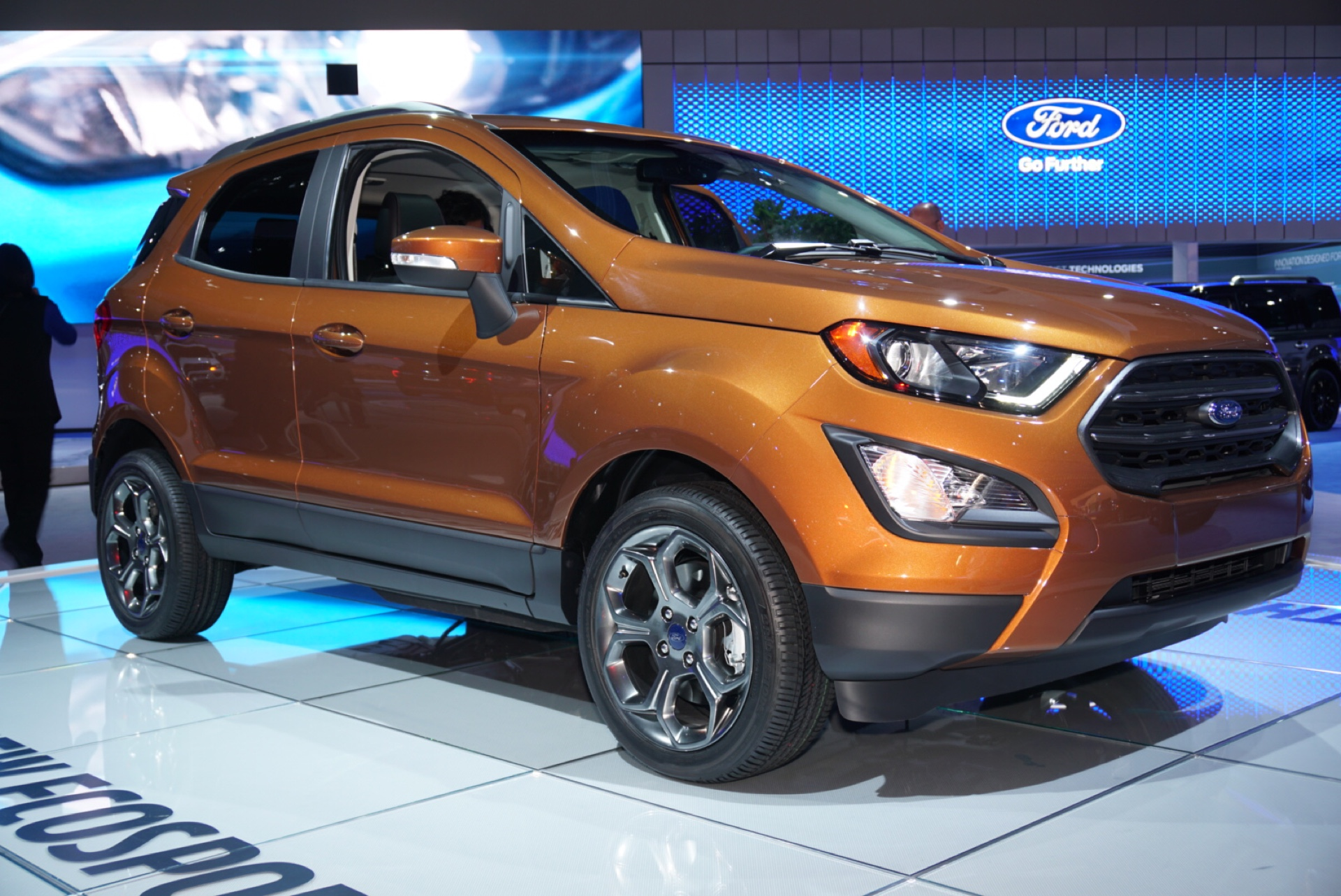 ford ecosport subcompact suv finally debuts in us. Black Bedroom Furniture Sets. Home Design Ideas
