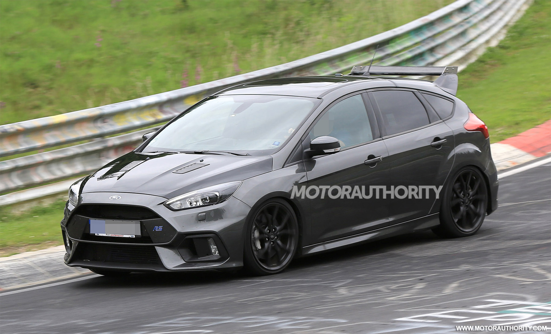 2018 ford focus rs500 spy shots. Black Bedroom Furniture Sets. Home Design Ideas