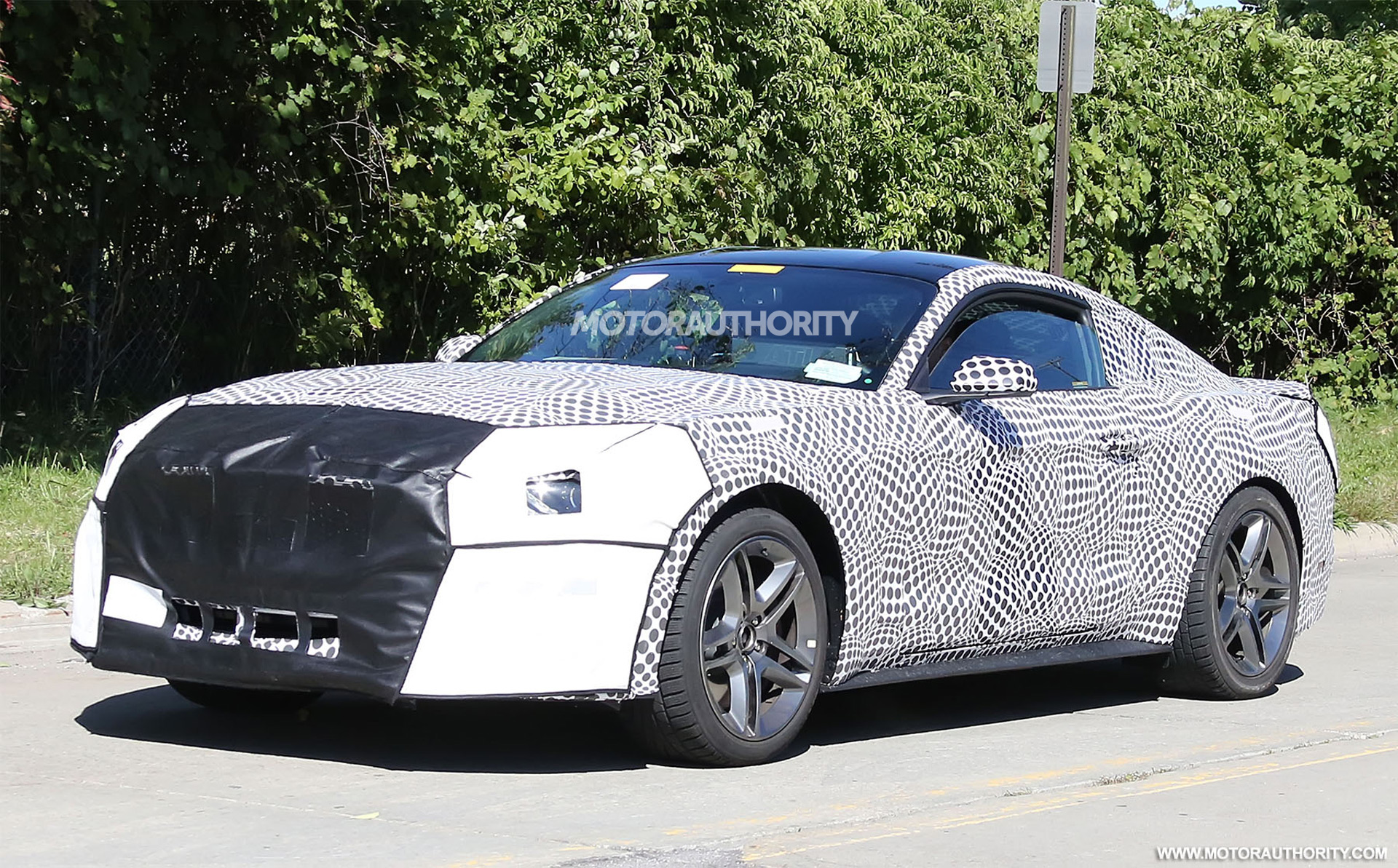 Novo Ford Focus 2018 >> 2018 Ford Mustang spy shots