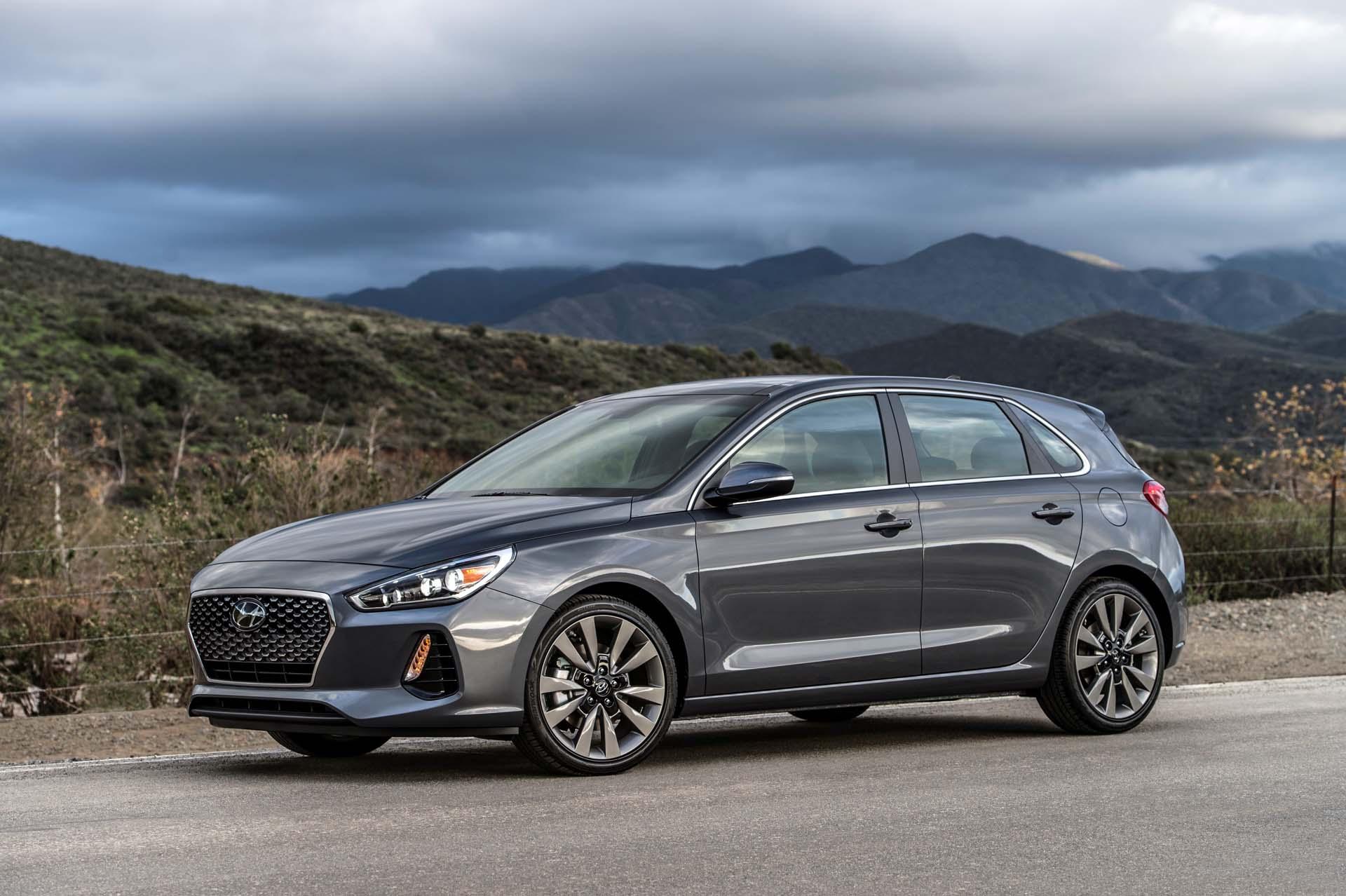 2018 Hyundai Elantra Gt Hatchback Unveiled At Chicago Auto