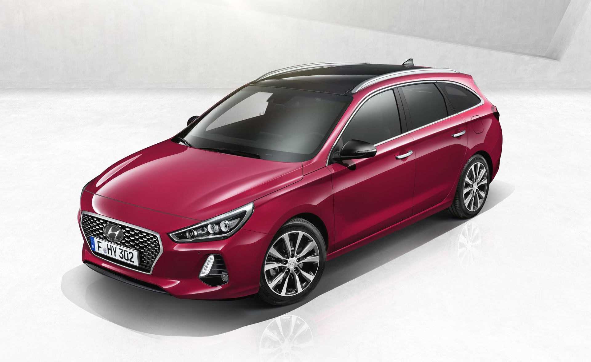2018 hyundai elantra touring i30 tourer revealed. Black Bedroom Furniture Sets. Home Design Ideas