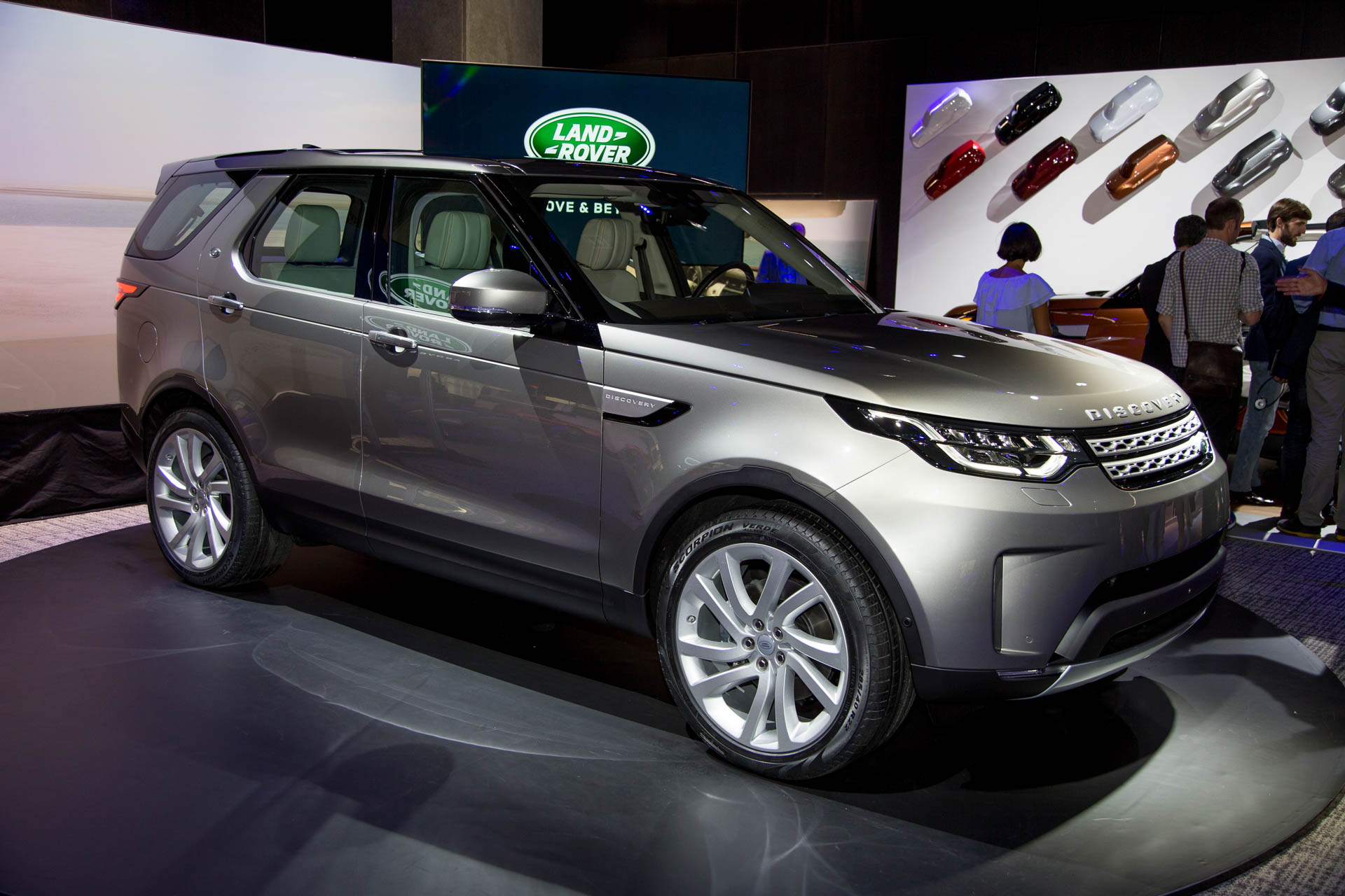 2018 land rover discovery preview. Black Bedroom Furniture Sets. Home Design Ideas