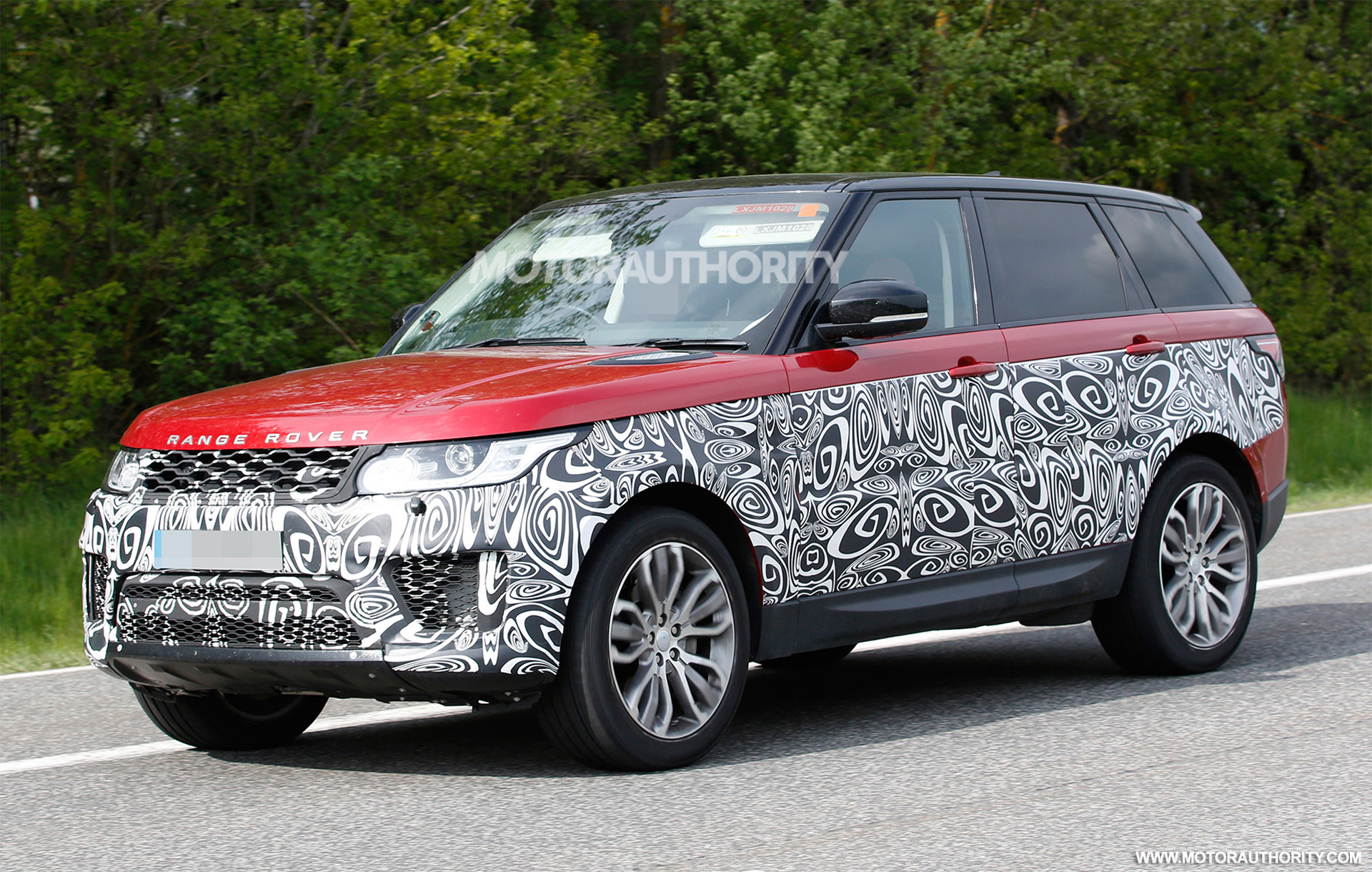 2018 land rover range rover sport spy shots. Black Bedroom Furniture Sets. Home Design Ideas
