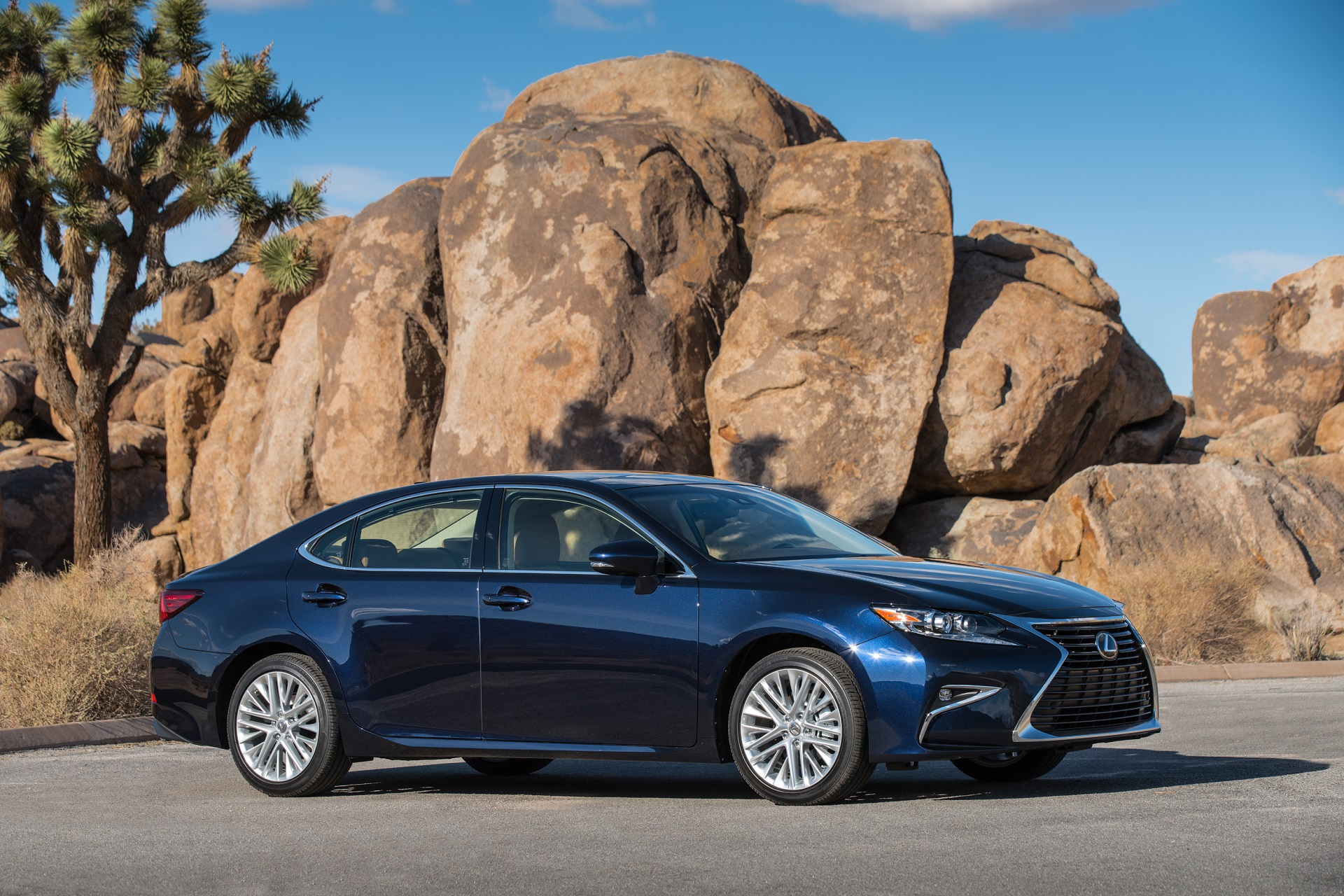 Cadillac El Paso >> 2018 Lexus ES Review, Ratings, Specs, Prices, and Photos - The Car Connection