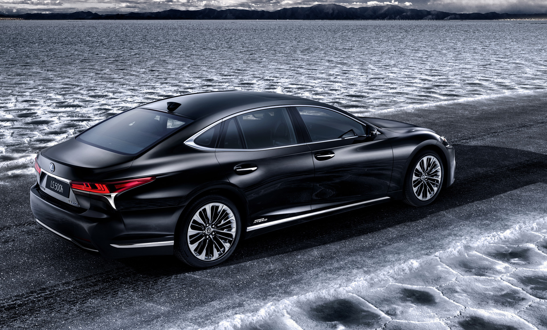 2018 lexus ls 500h hybrid luxury sedan to debut at geneva show. Black Bedroom Furniture Sets. Home Design Ideas