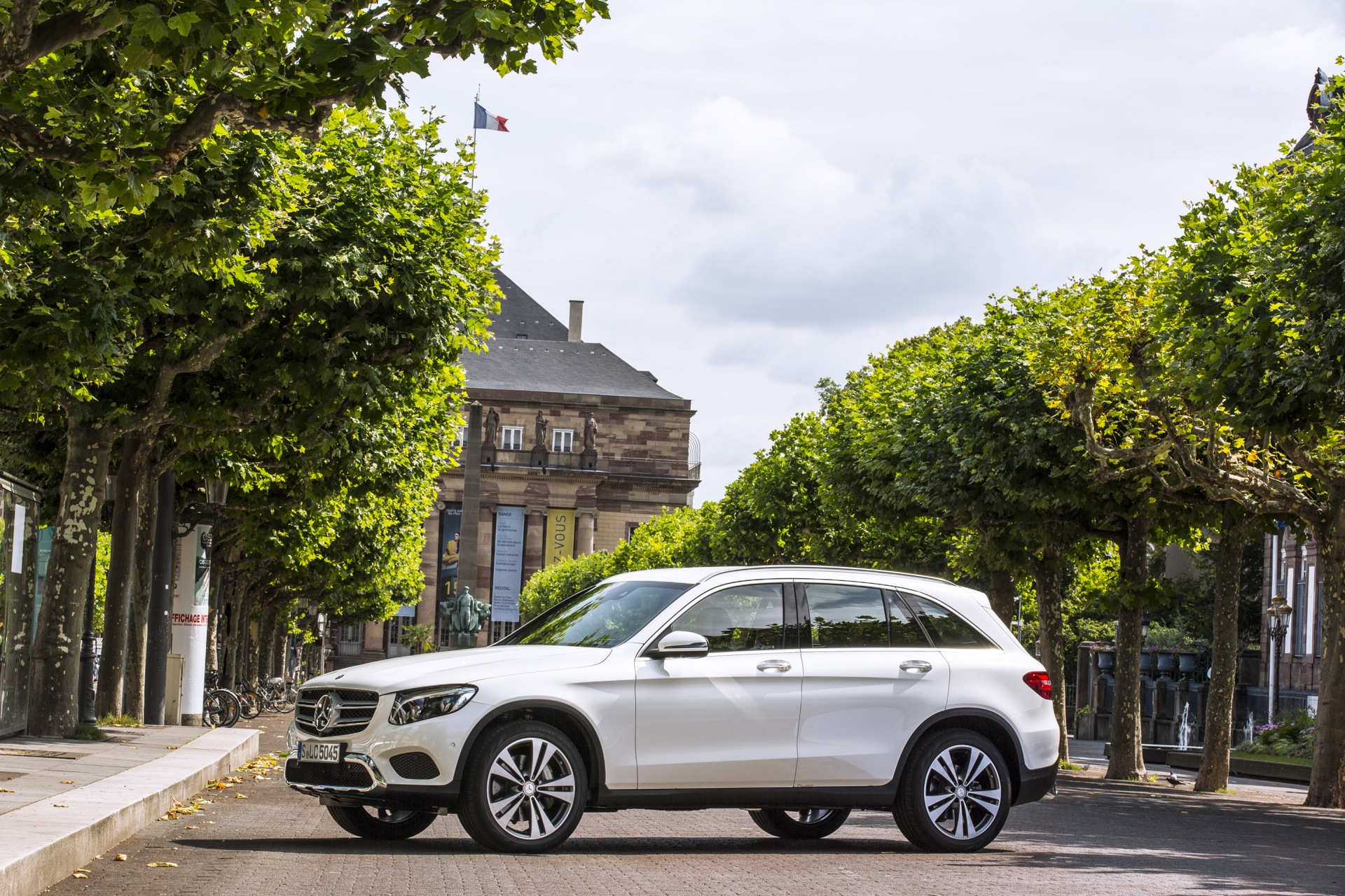 Mercedes To Boost Electric Range Of Plug In Hybrids As It