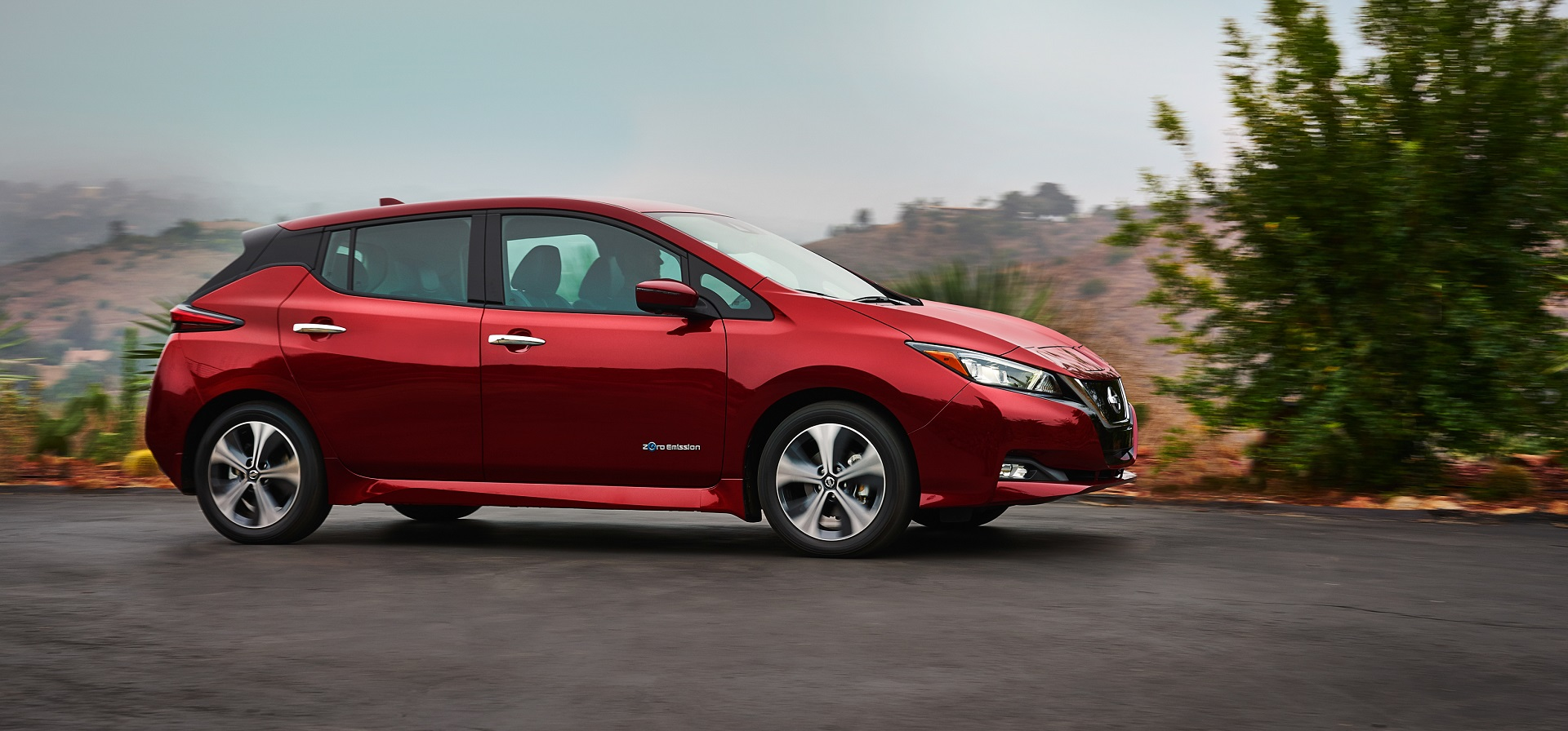 2018 Nissan Leaf Does It Pioneer The Mid Range Electric