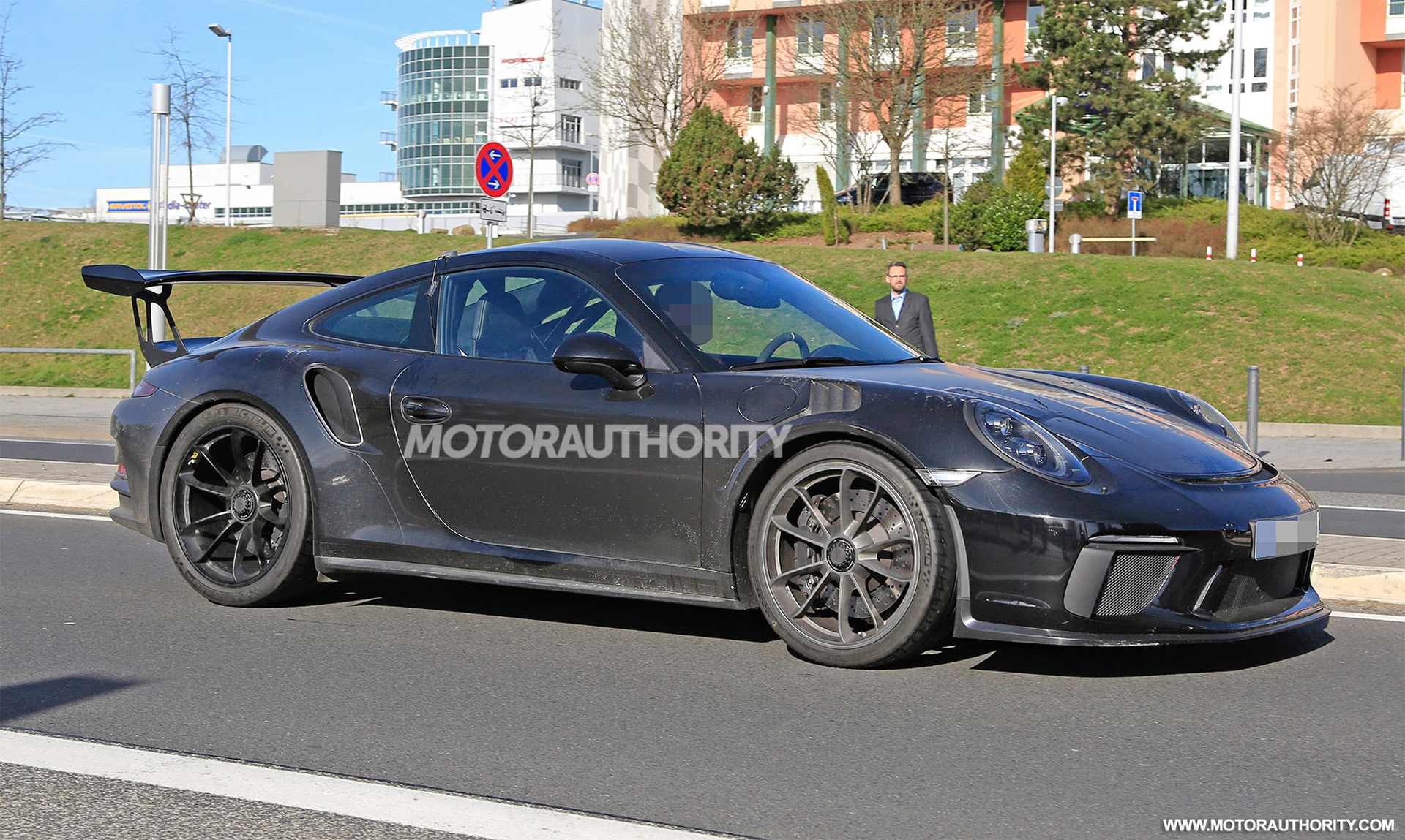 2018 porsche gt3 rs. exellent gt3 the track weapon that is the porsche 911 gt3 rs about to be sharpened  just a little bit more for 2018 porsche gt3 rs