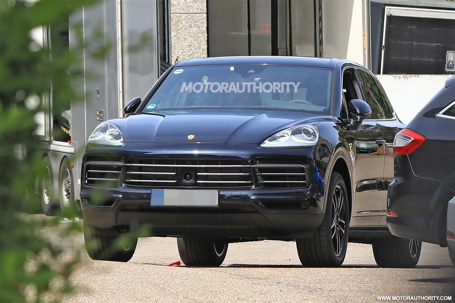 2018 Porsche Cayenne Release Date >> 2018 Porsche Cayenne spy shots and video