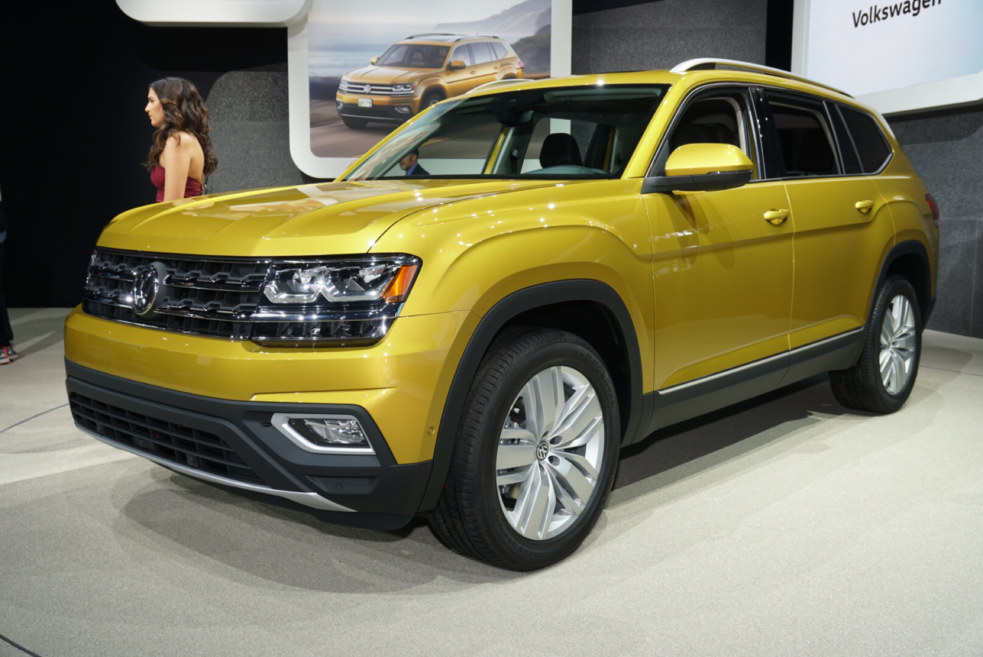 2018 volkswagen atlas vw review ratings specs prices and photos the car connection. Black Bedroom Furniture Sets. Home Design Ideas
