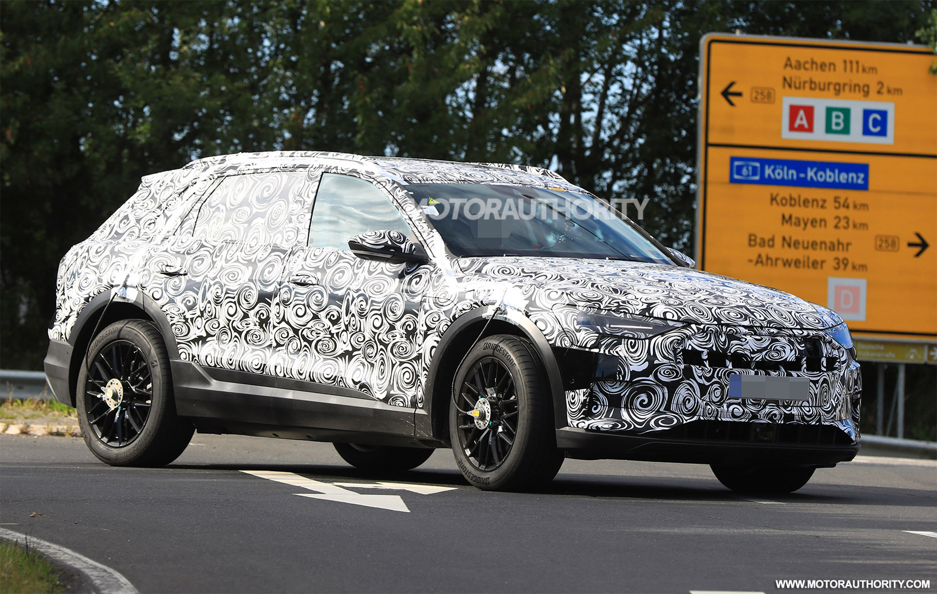 2019 Audi E Tron Spy Shots And Video