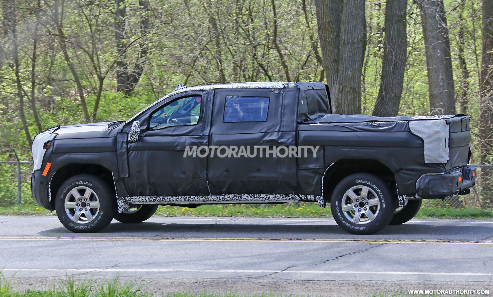 2019 chevrolet silverado 1500 spy shots news about cool cars. Black Bedroom Furniture Sets. Home Design Ideas