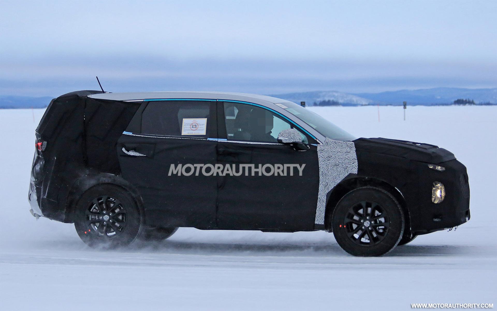 2019 Hyundai Santa Fe spy shots | Autozaurus