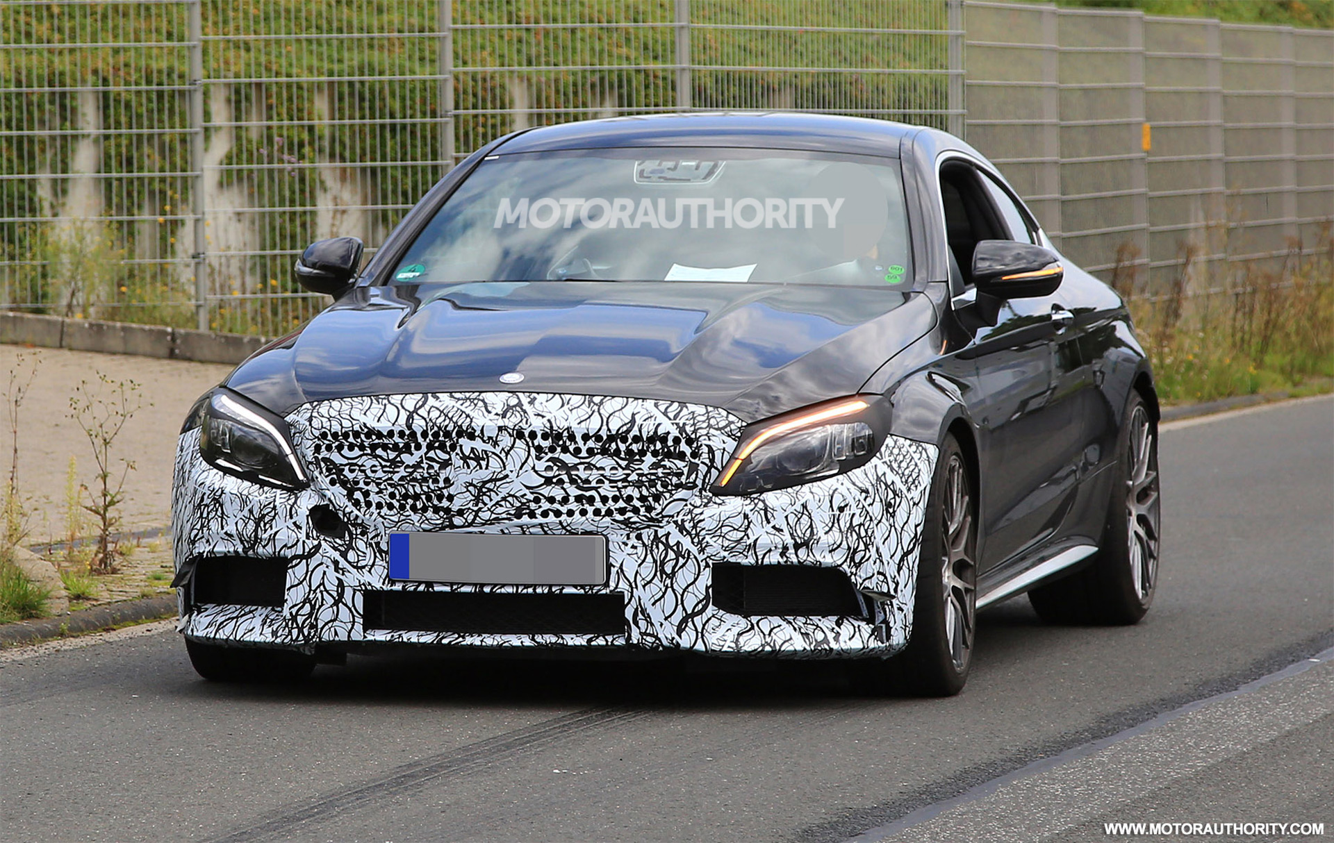 2019 mercedes amg c63 coupe spy shots. Black Bedroom Furniture Sets. Home Design Ideas
