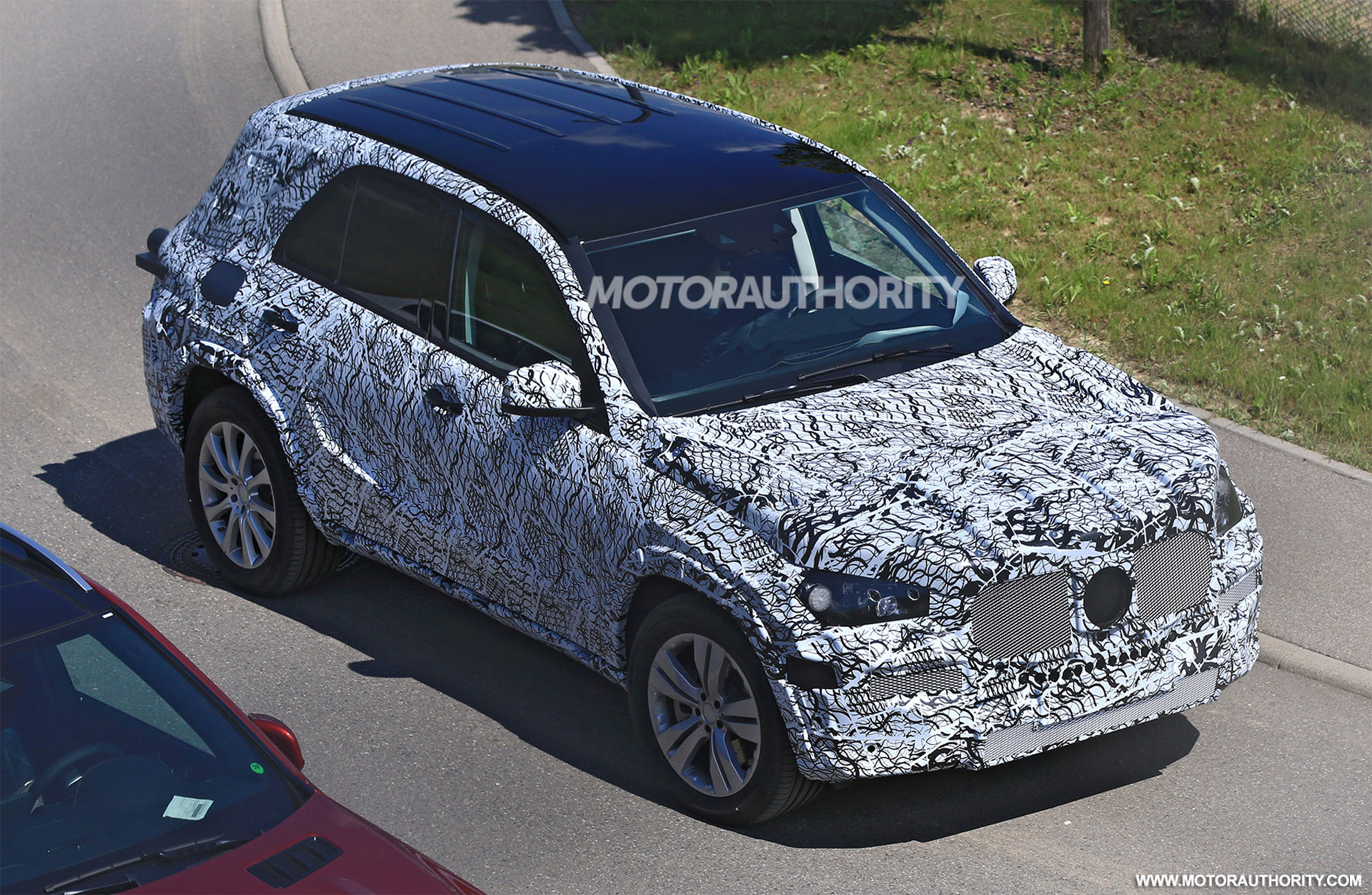 2019 mercedes benz gle spotted for the for Mercedes benz gle 2019