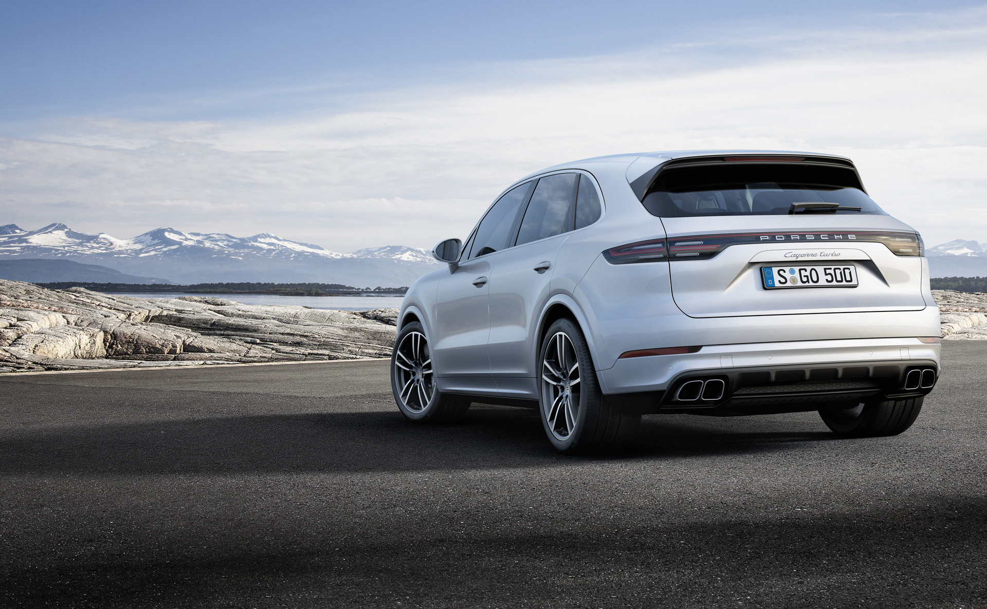 2019 porsche cayenne turbo takes familiar route to high. Black Bedroom Furniture Sets. Home Design Ideas