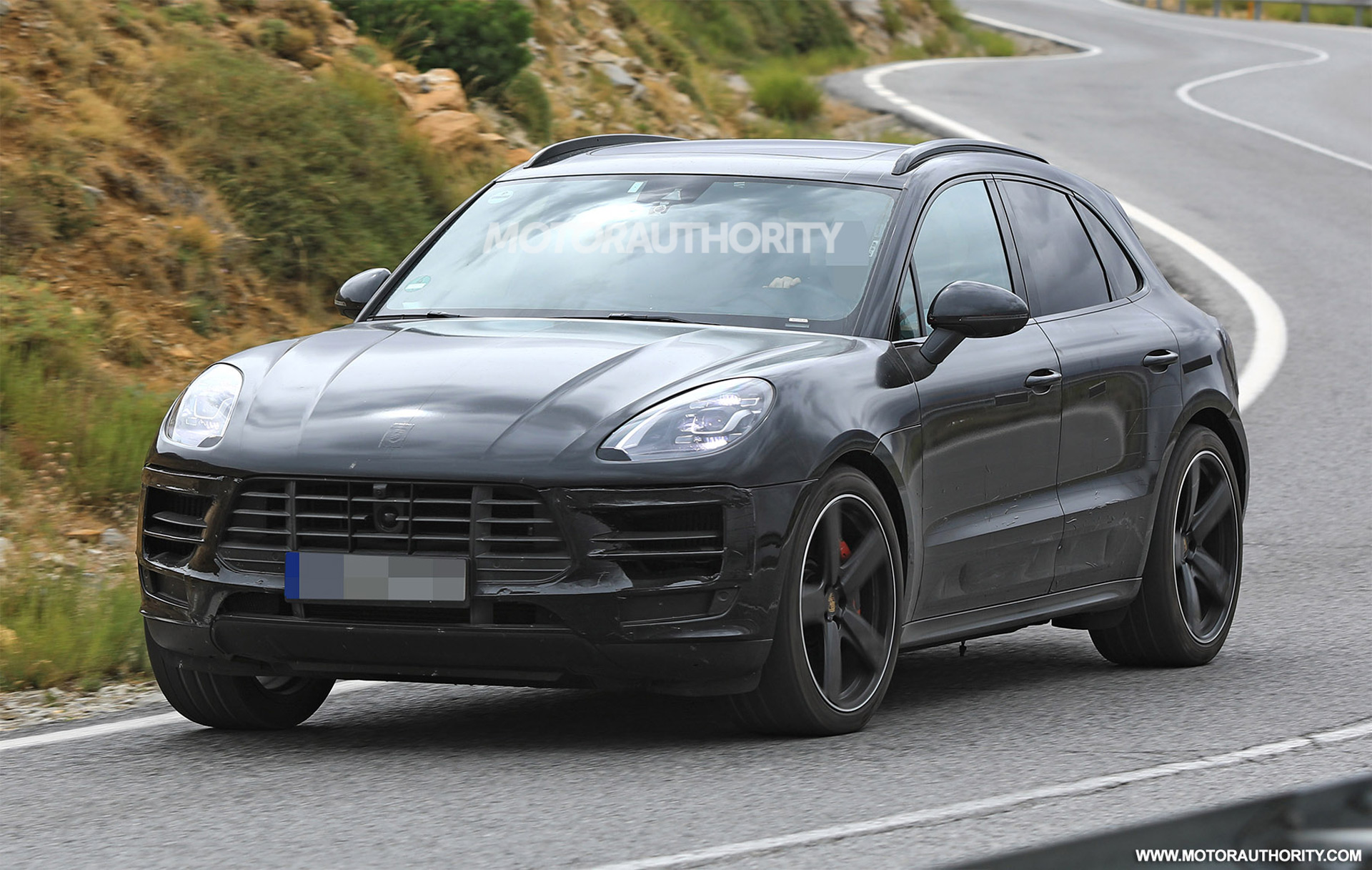 2019 Porsche Macan Spy Shots And Video Autozaurus