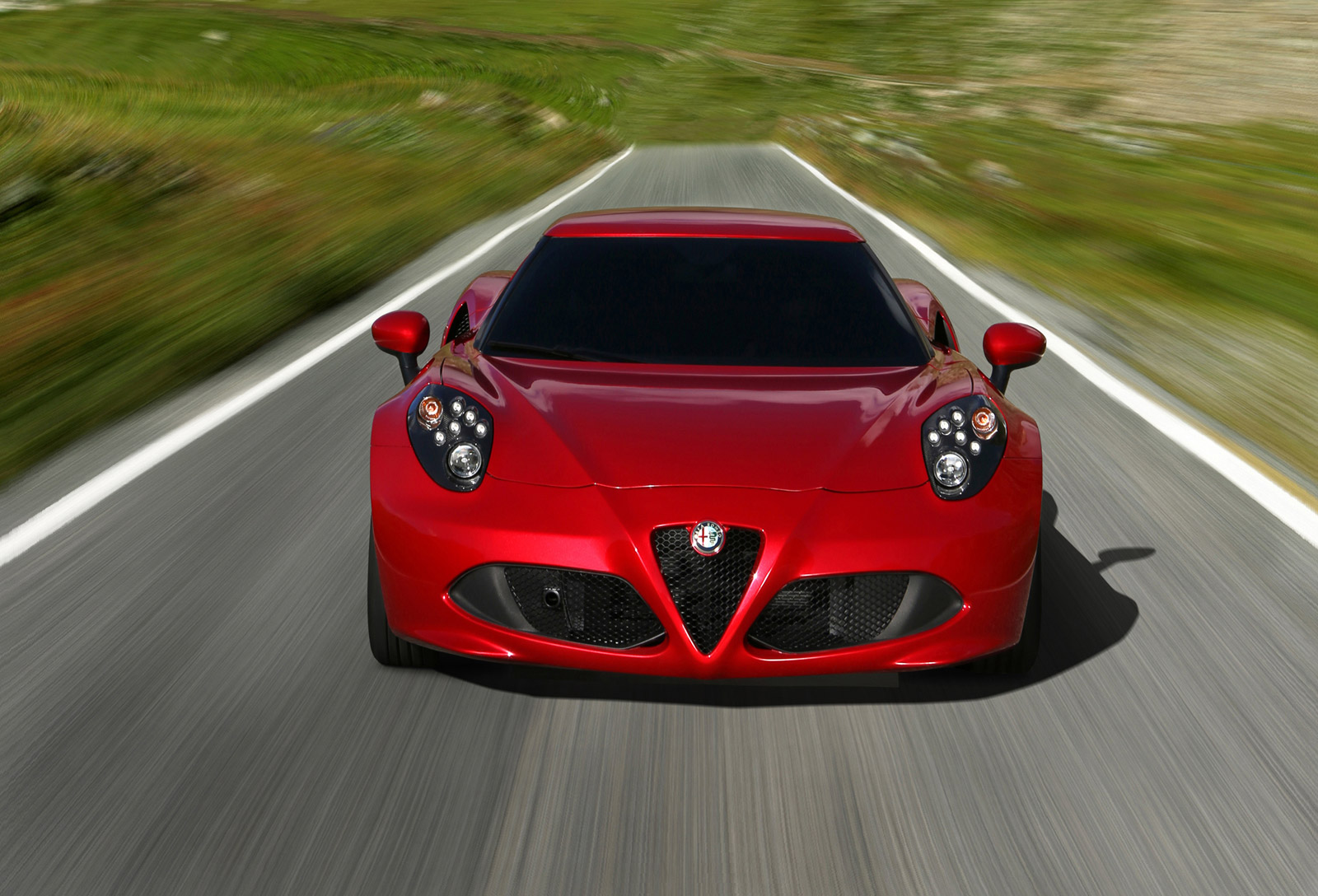 alfa romeo 39 s u s return starts with 2015 4c debut in new york. Black Bedroom Furniture Sets. Home Design Ideas