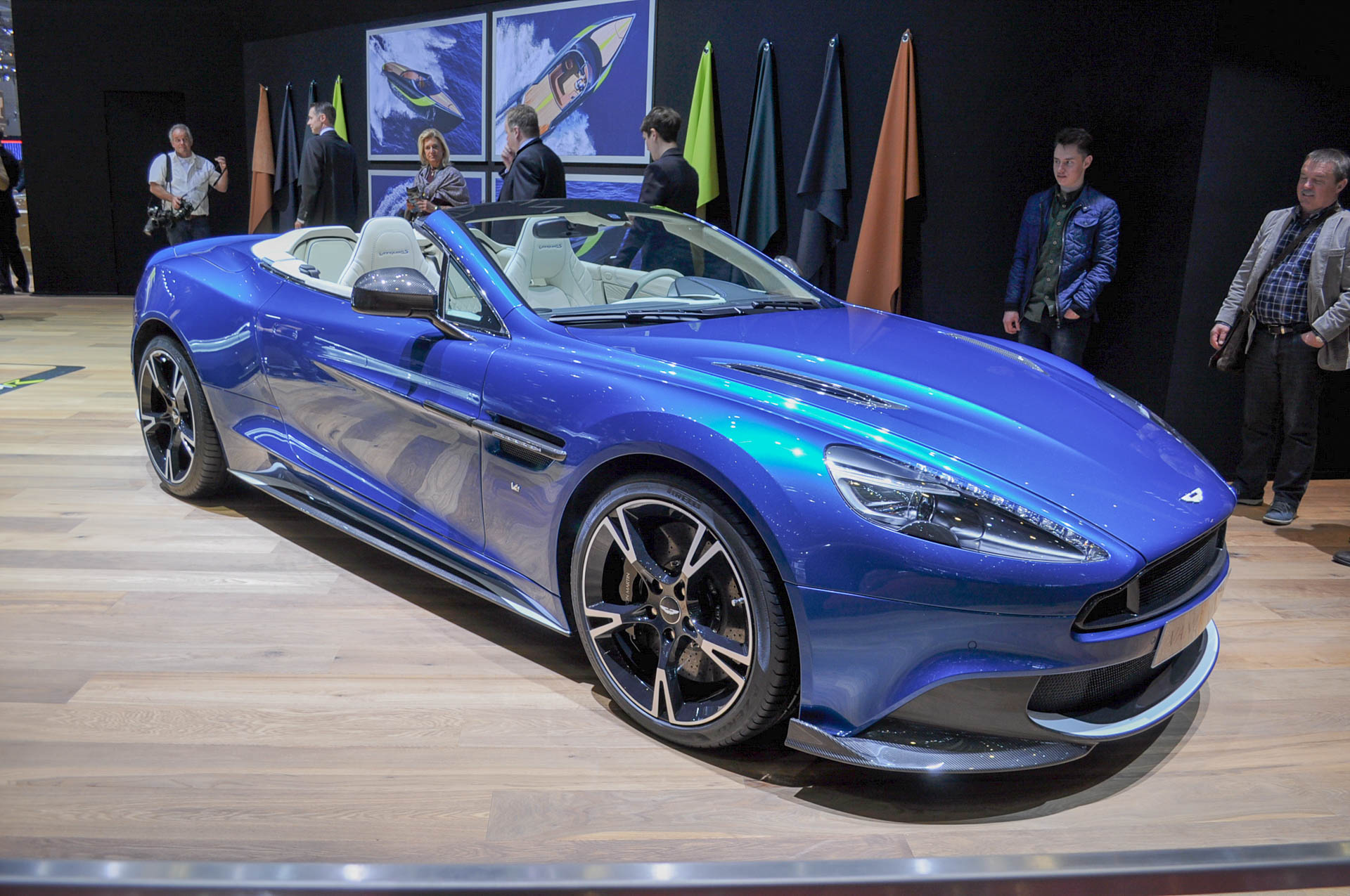 2018 aston martin vanquish s volante debuts in geneva. Black Bedroom Furniture Sets. Home Design Ideas