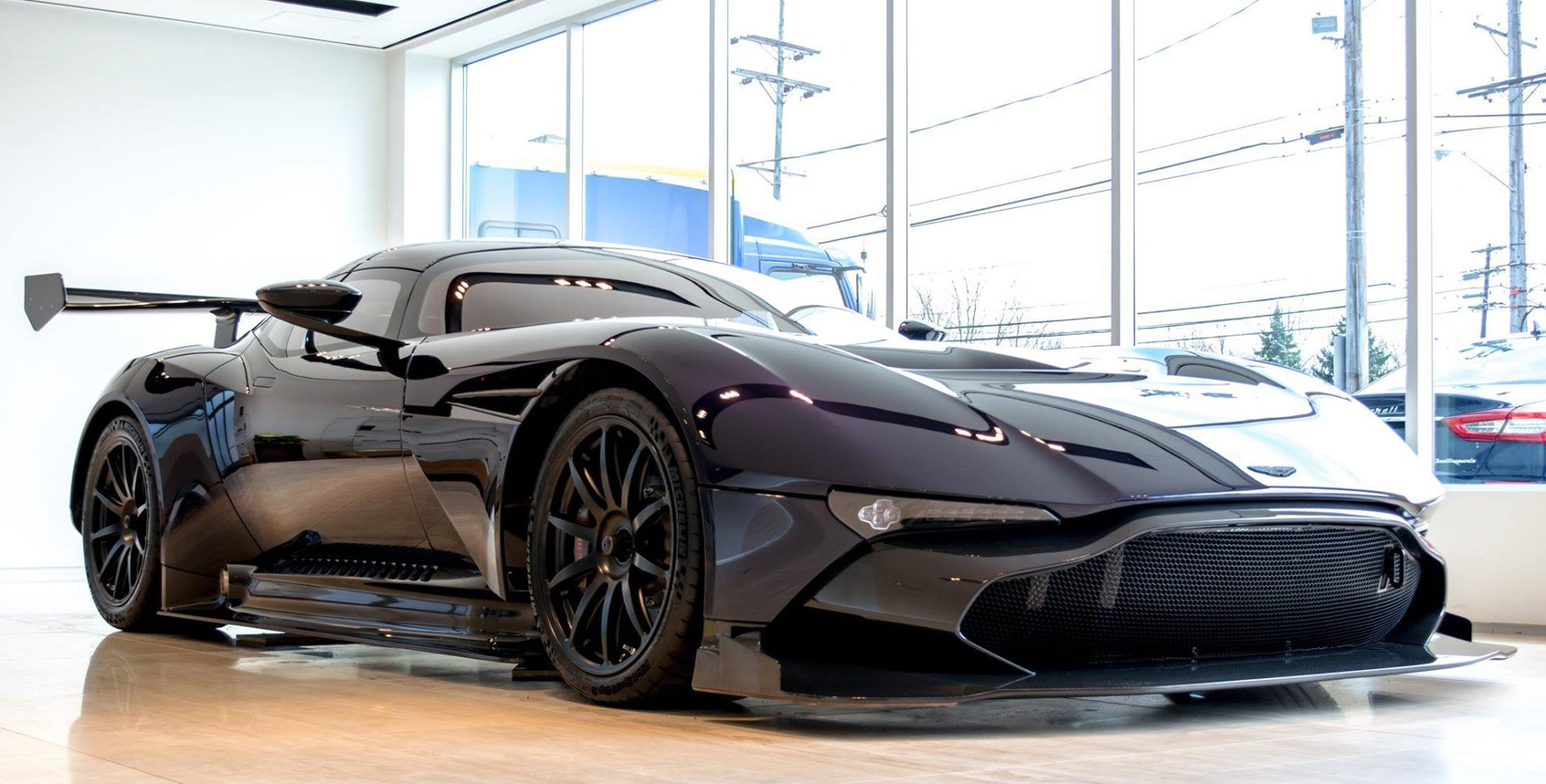 second aston martin vulcan arrives in the u s. Black Bedroom Furniture Sets. Home Design Ideas