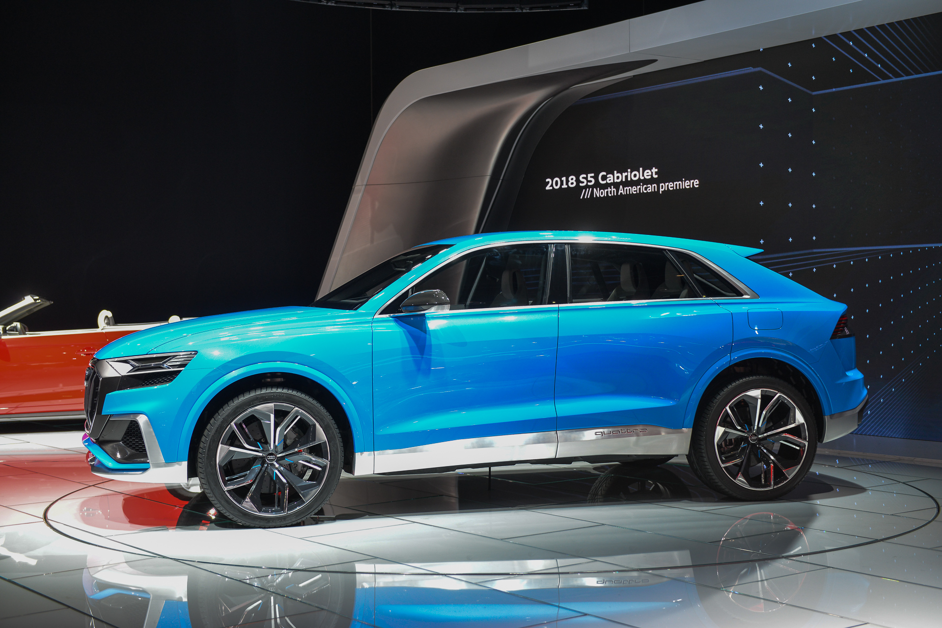 audi q8 concept debuts production version coming in 2018. Black Bedroom Furniture Sets. Home Design Ideas
