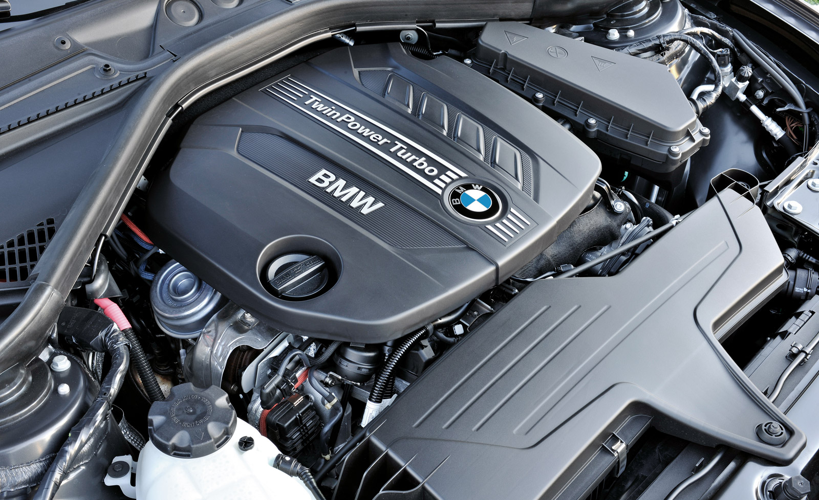 Close Look At Bmw S New Three Cylinder Engine Family