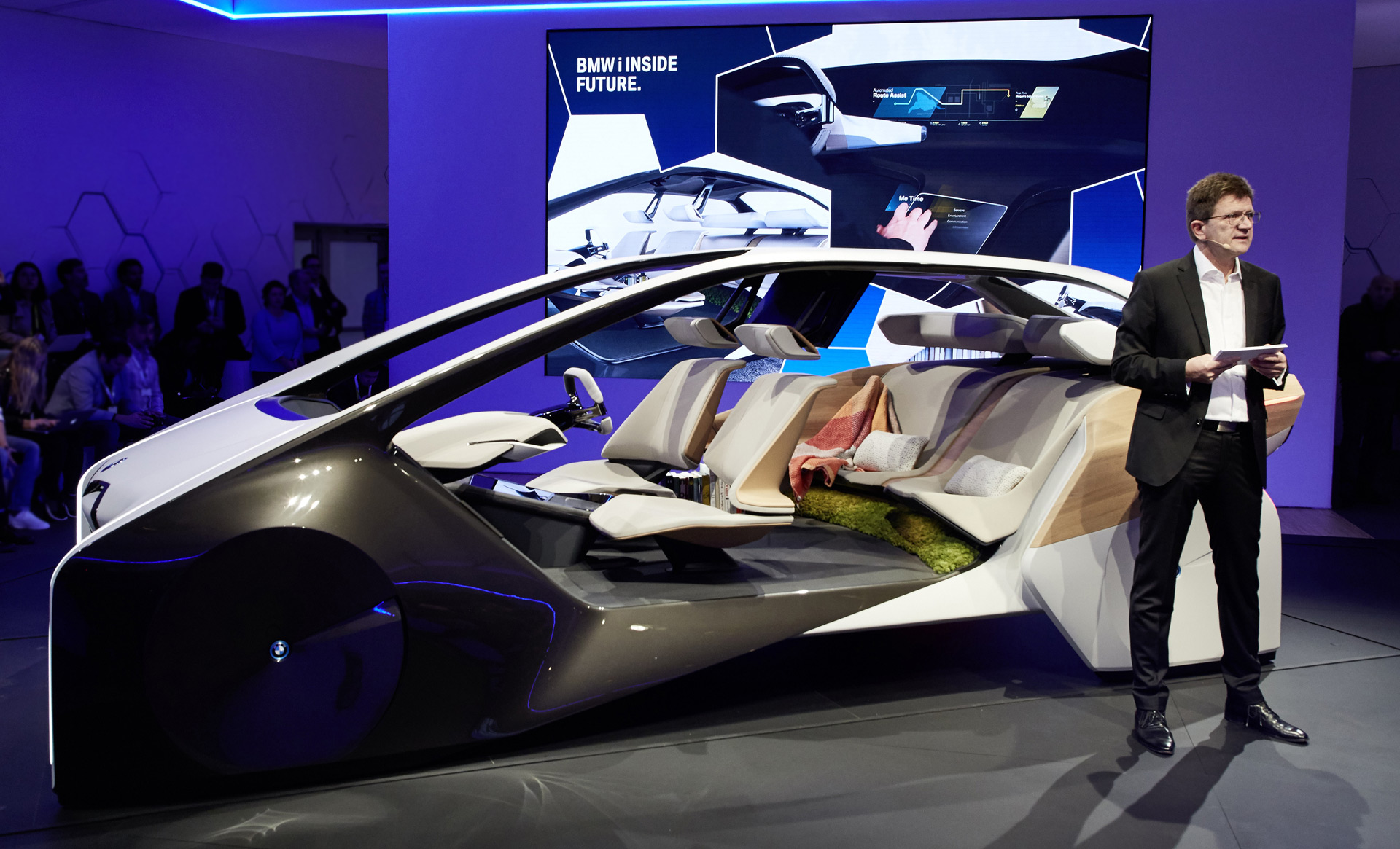 bmw previews next gen interior complete with hologram technology. Black Bedroom Furniture Sets. Home Design Ideas