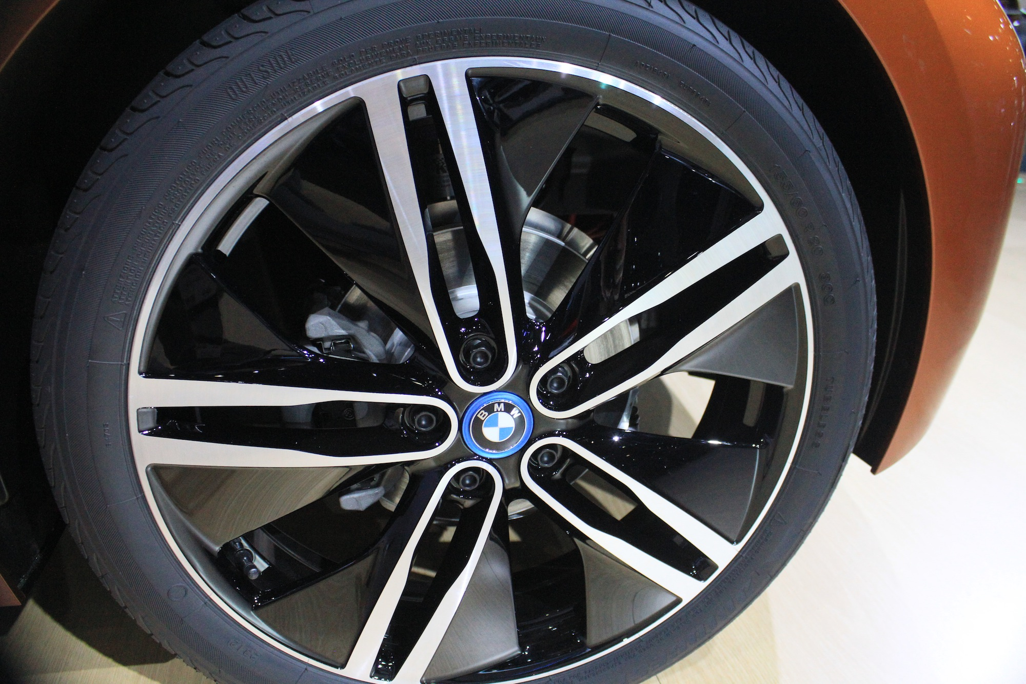bmw i3 39 s tall skinny tires to boost efficiency and cut noise. Black Bedroom Furniture Sets. Home Design Ideas