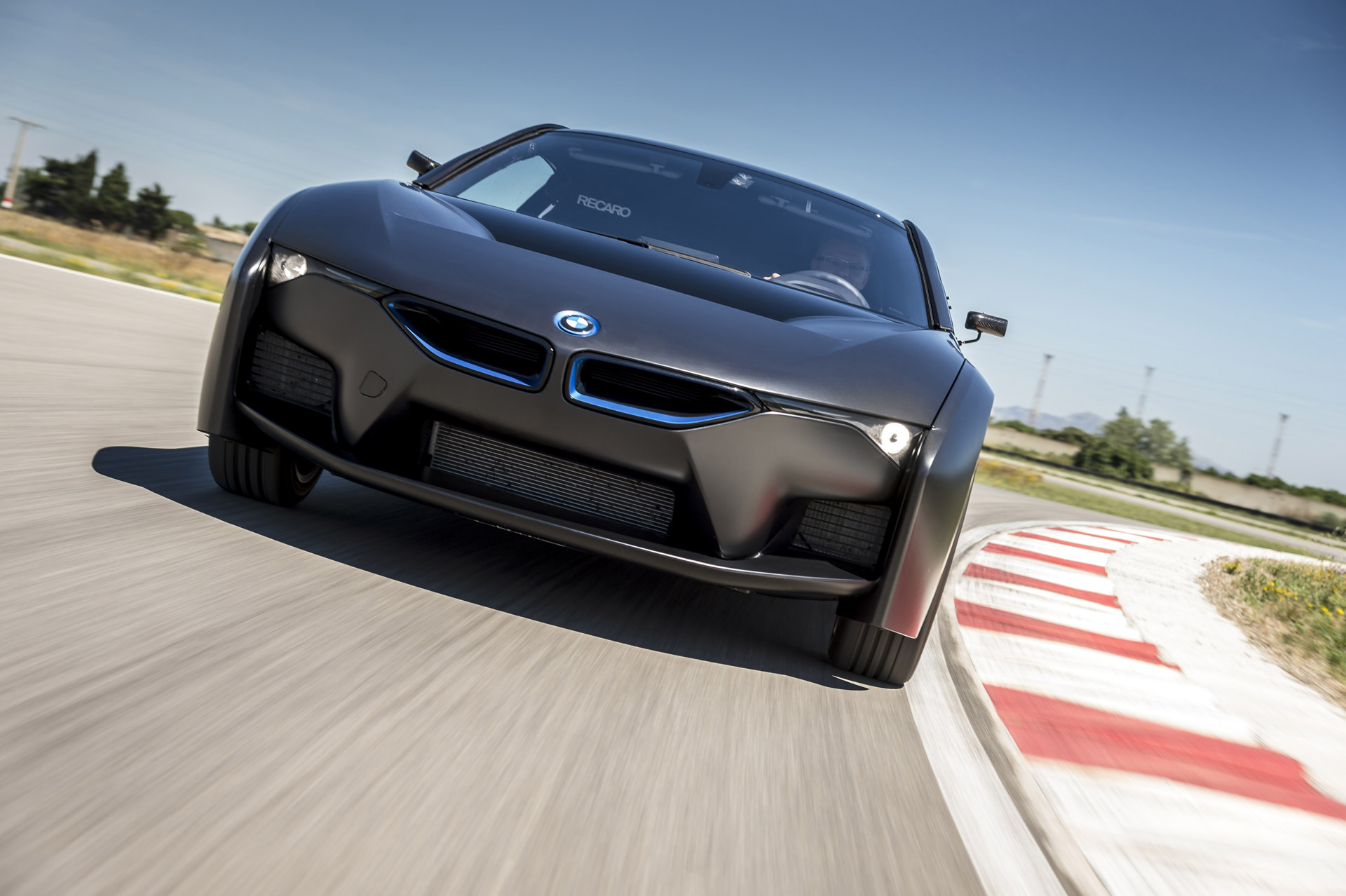 Bmw S Hydrogen Fuel Cell Vehicle Getting Closer To Reality