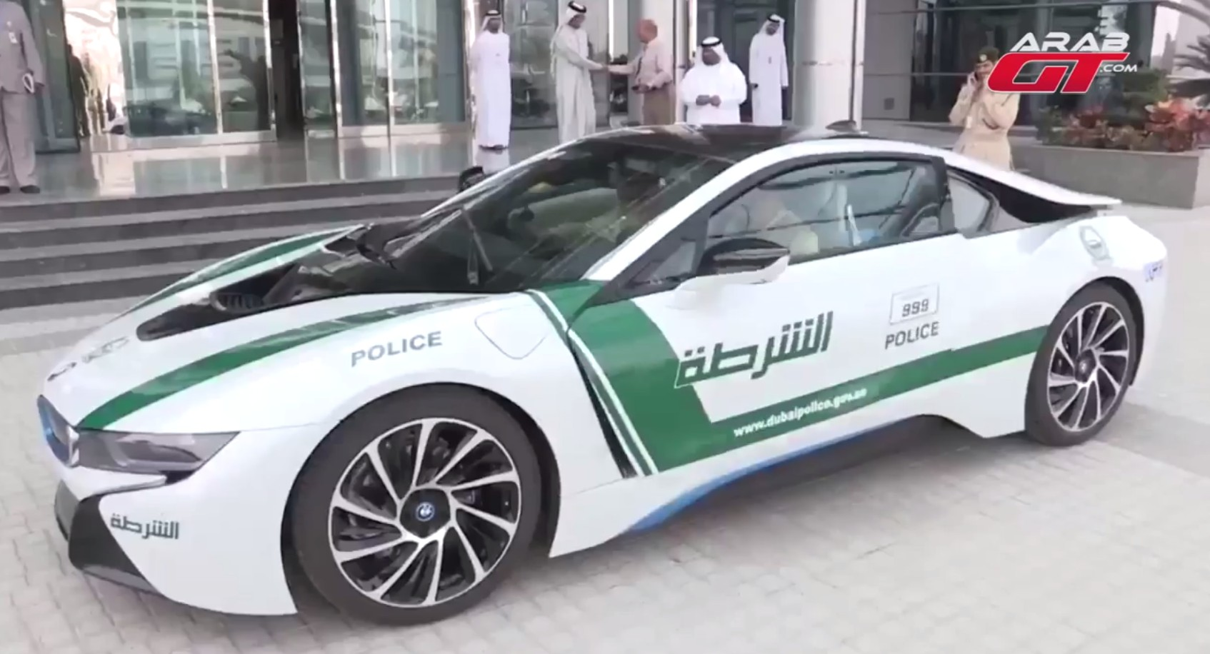 Bmw I8 Joins Dubai Police Fleet Video