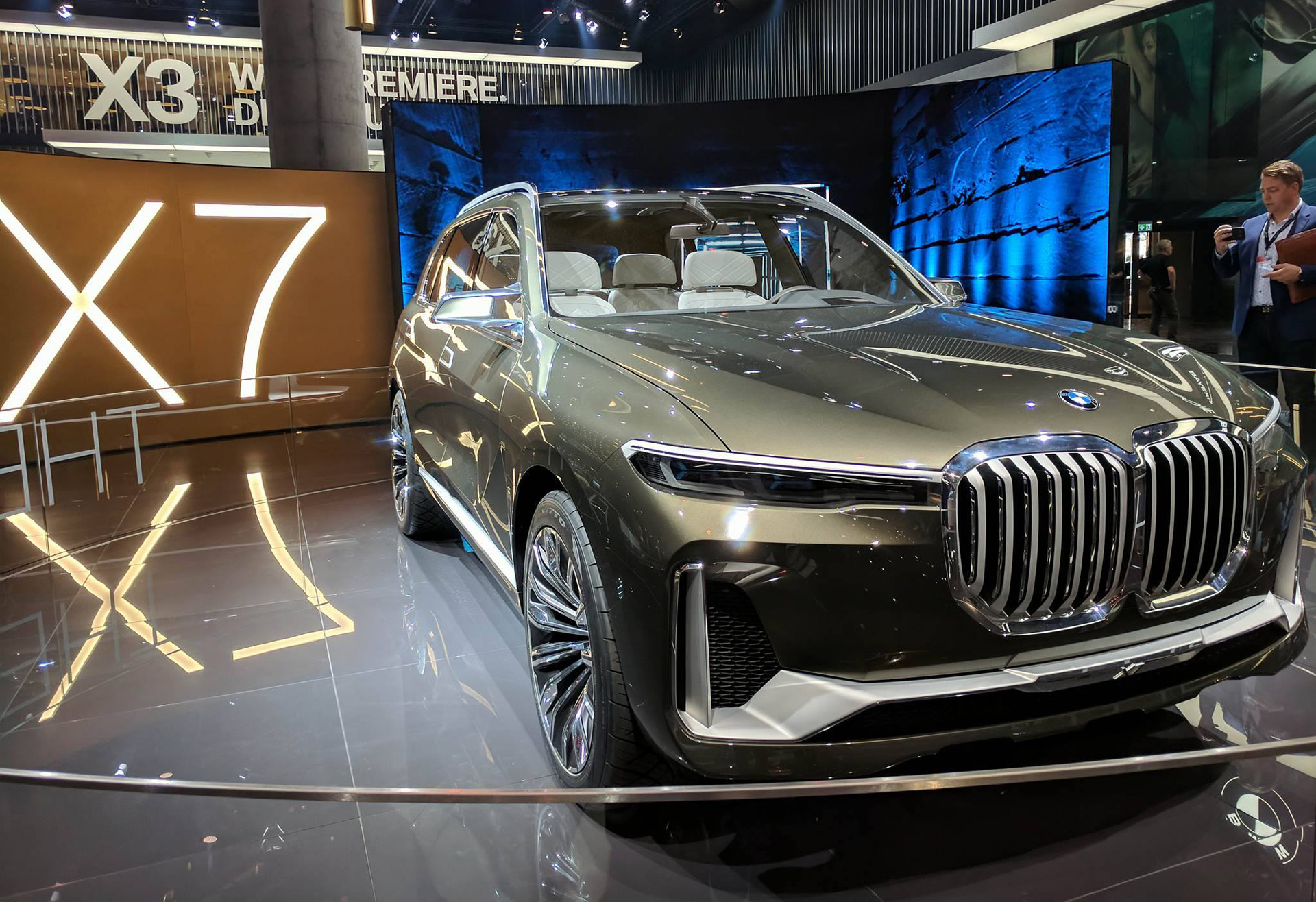 bmw x7 concept previews new full size 3 row suv. Black Bedroom Furniture Sets. Home Design Ideas