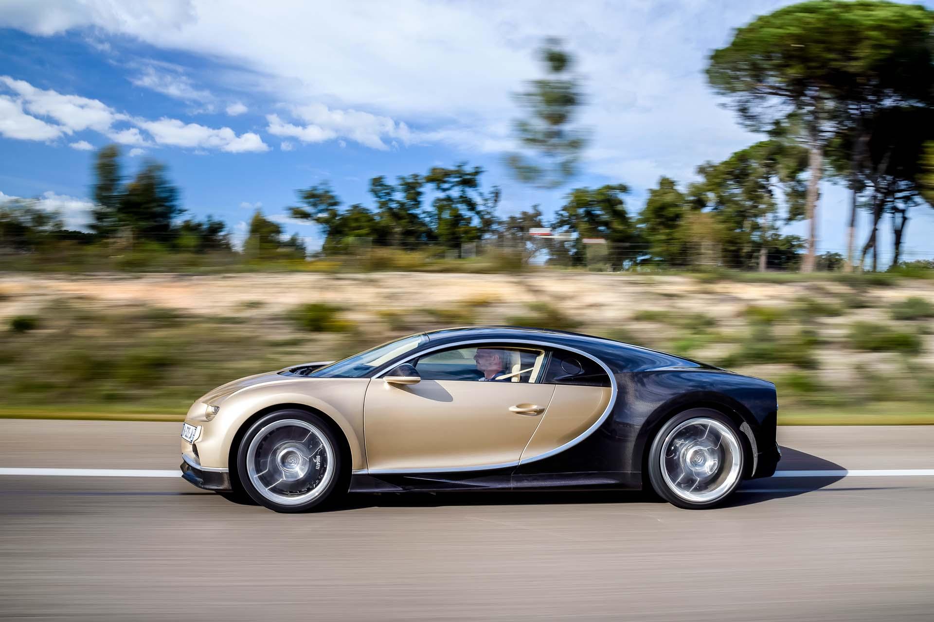 bugatti chiron fuel economy ratings better than veyron still dismal. Black Bedroom Furniture Sets. Home Design Ideas