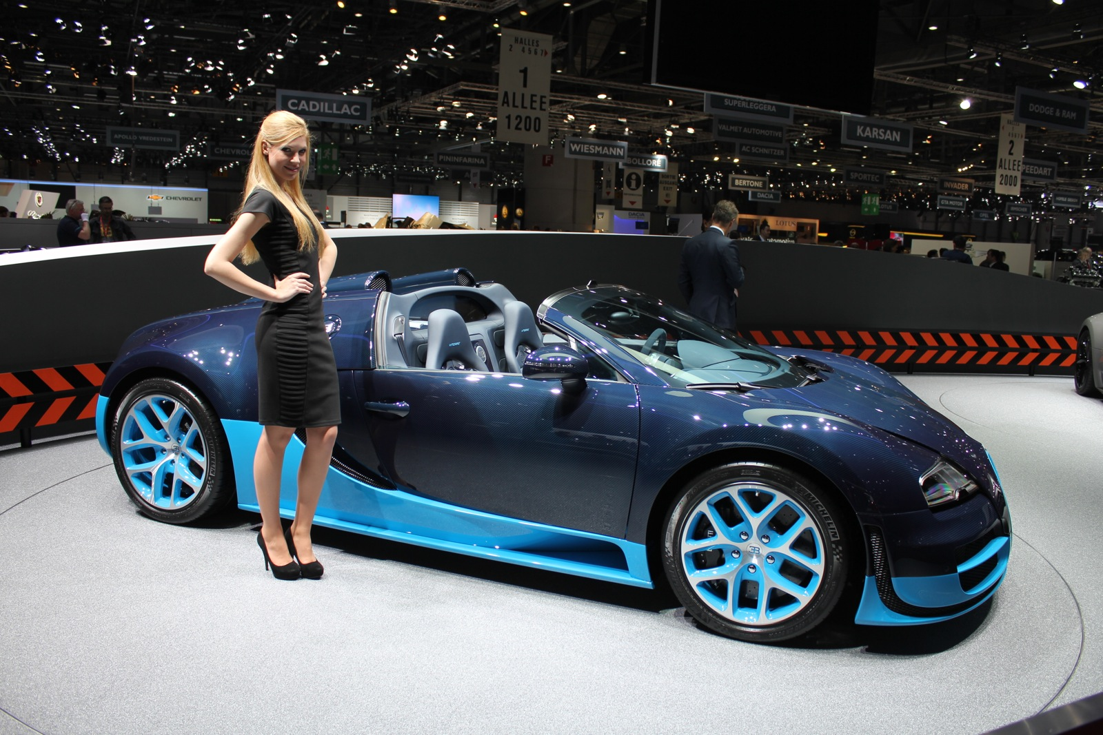 bugatti veyron grand sport vitesse live photos 2012. Black Bedroom Furniture Sets. Home Design Ideas