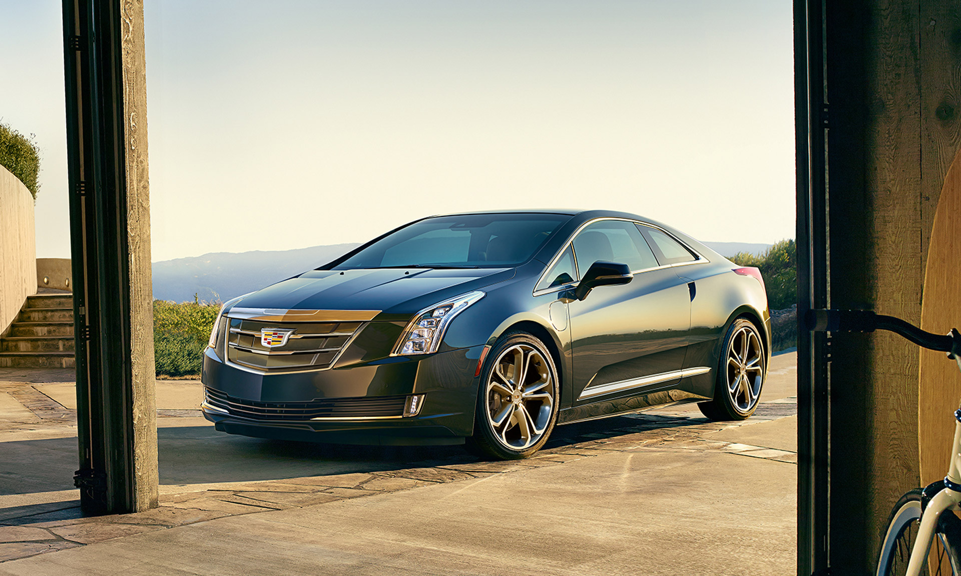 , 2017 Chevy Volt, Cadillac ELR 'Disappointment': Today's Car News